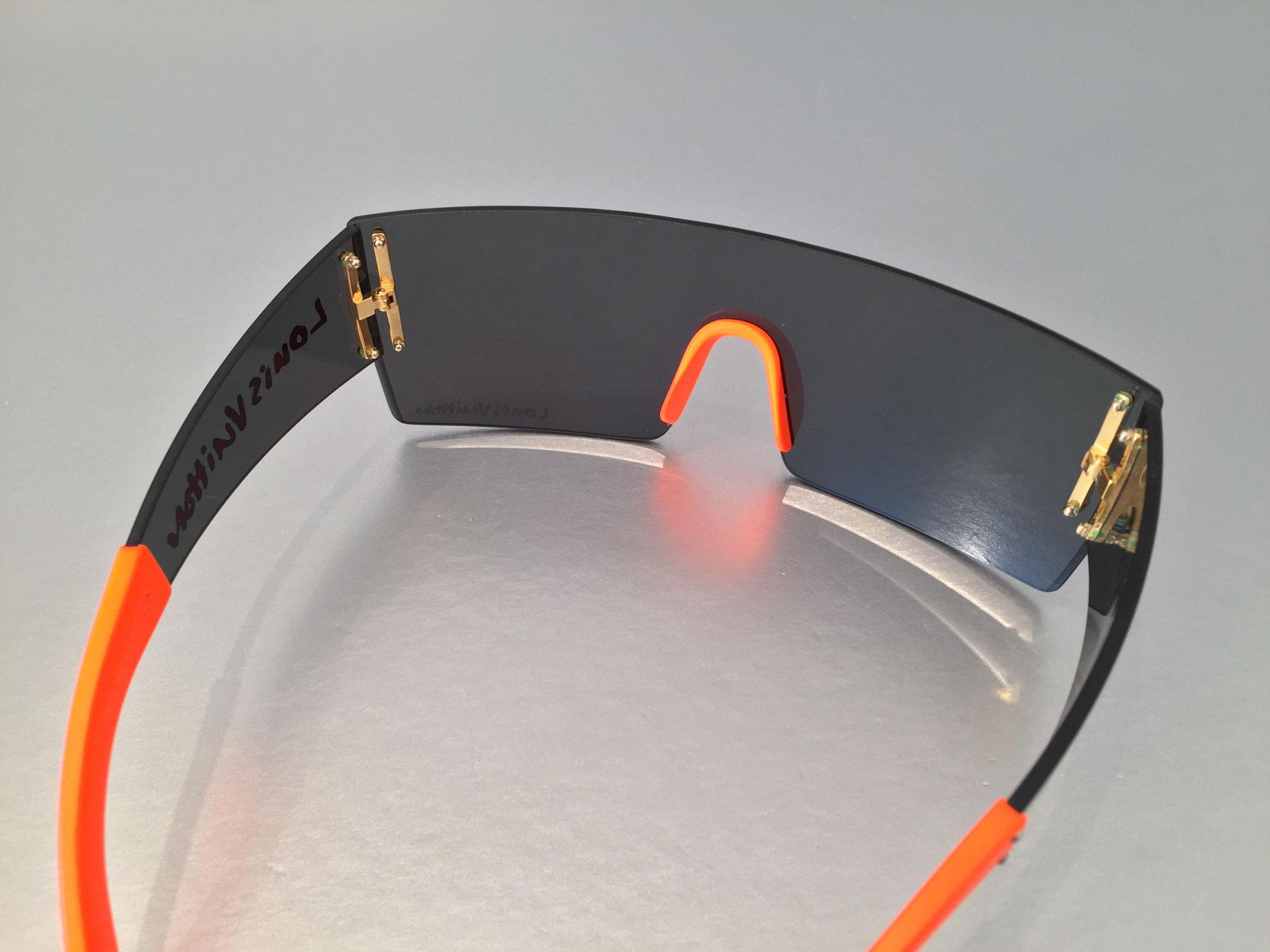 1f6e97823c3 Louis Vuitton Graffiti Frame Sonnenbrille in Orange - Ankauf ...
