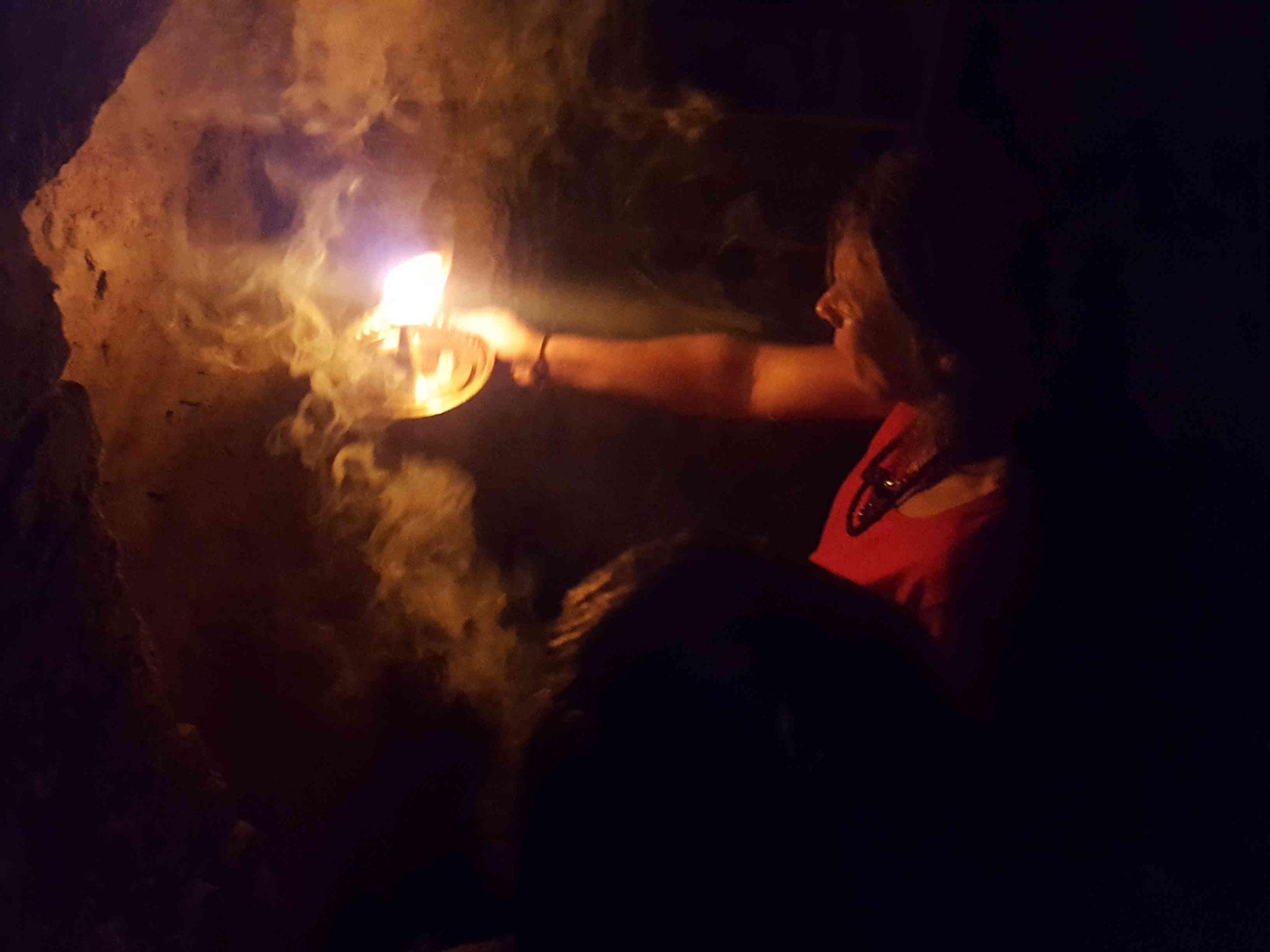 Ritual to chase away the Evil Spirits _ Ritual zur Beseitung von negativen Geistwesen in einem Wohnhaus- in Deutschland - mit Shankari Ma