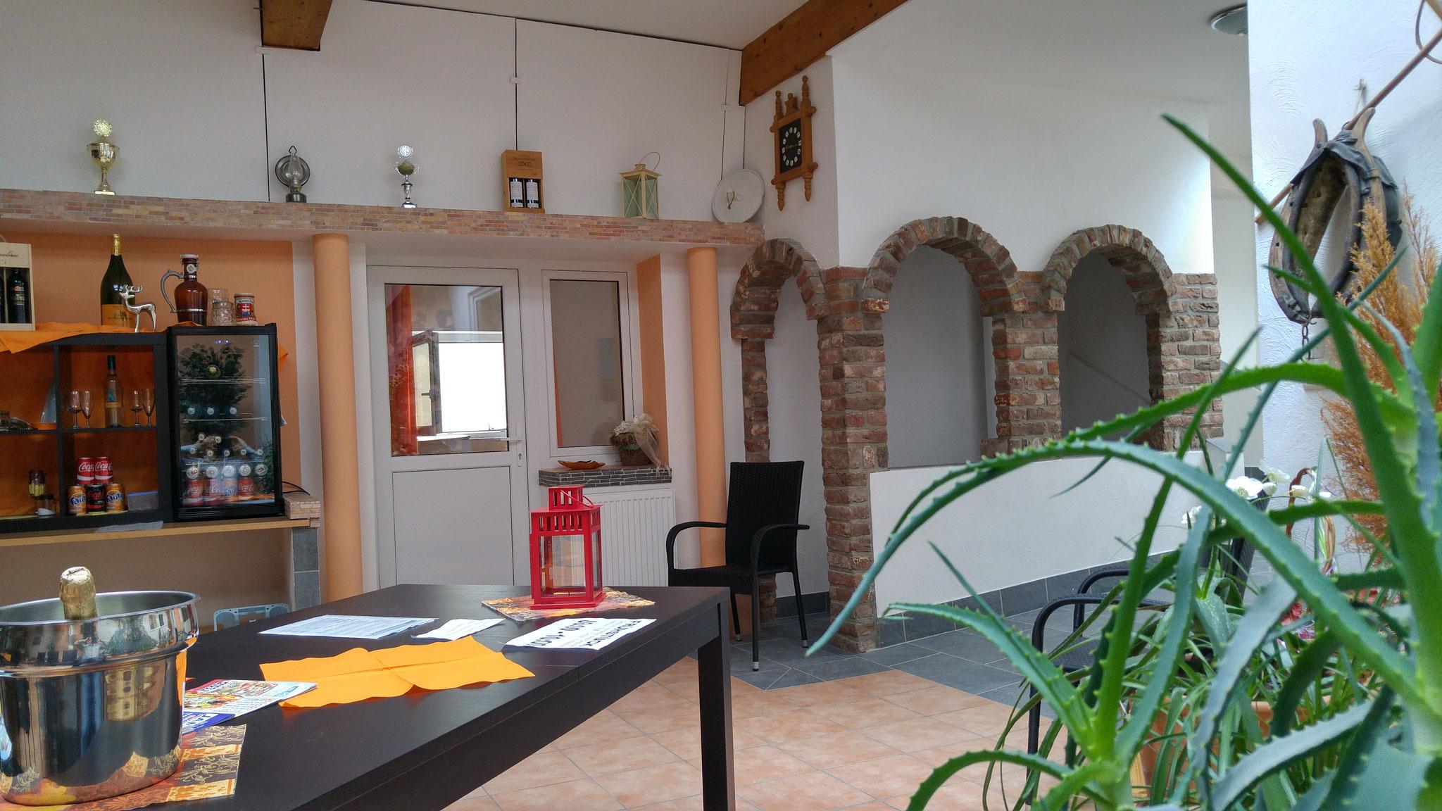 Blick Aufenthaltsraum Gästehaus Mediterranee 2