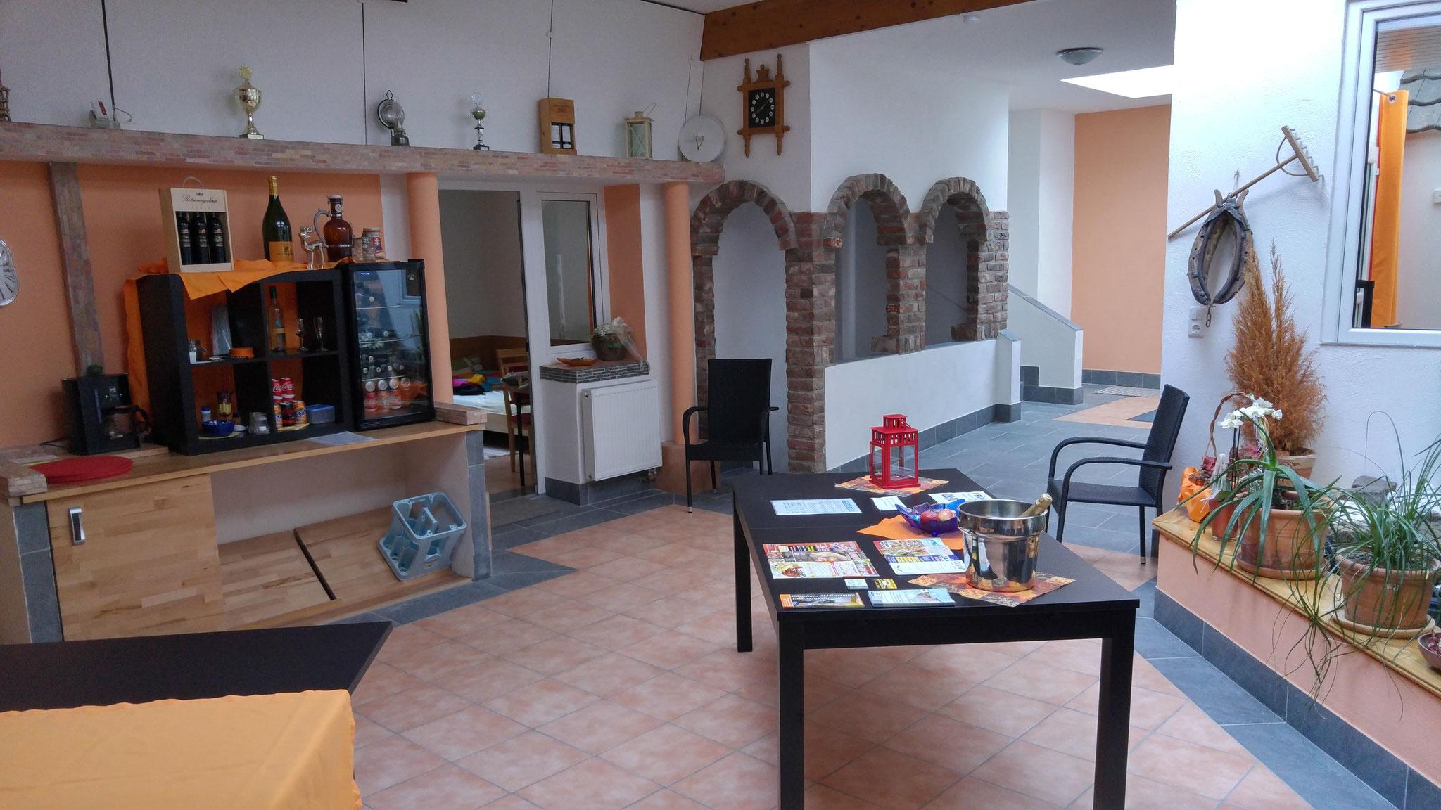 Blick Aufenthaltsraum Gästehaus Mediterranee 1