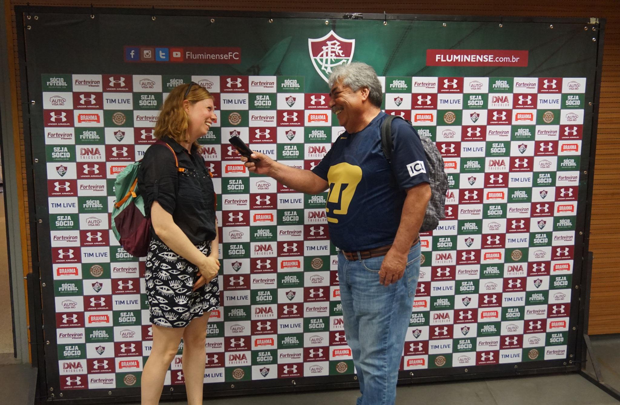 Uta wird im TV als neue Fluminense Trainerin vorgestellt
