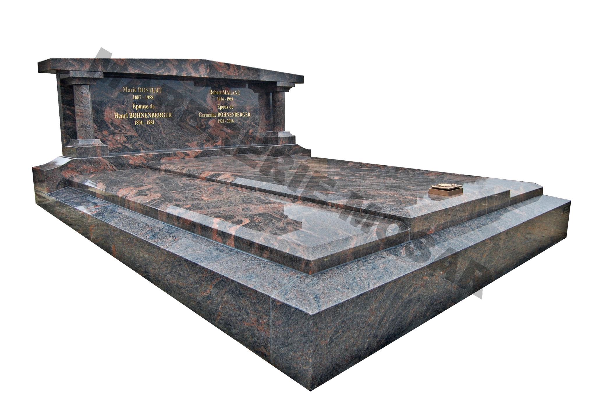 """Monument en granit poli """"himalayan blue"""" avec stète à fronton et colonnes"""