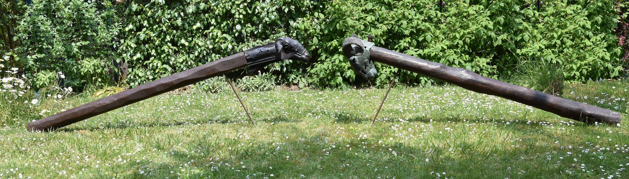 """Ensemble de sculptures bronze et bois- """"BÉLIER 1"""" : L: 250 cm, H: 80 cm ,l: 35  cm / """"BÉLIER 2"""" : L: 250 cm, H: 80 cm ,l: 35  cm, JP Douziech"""
