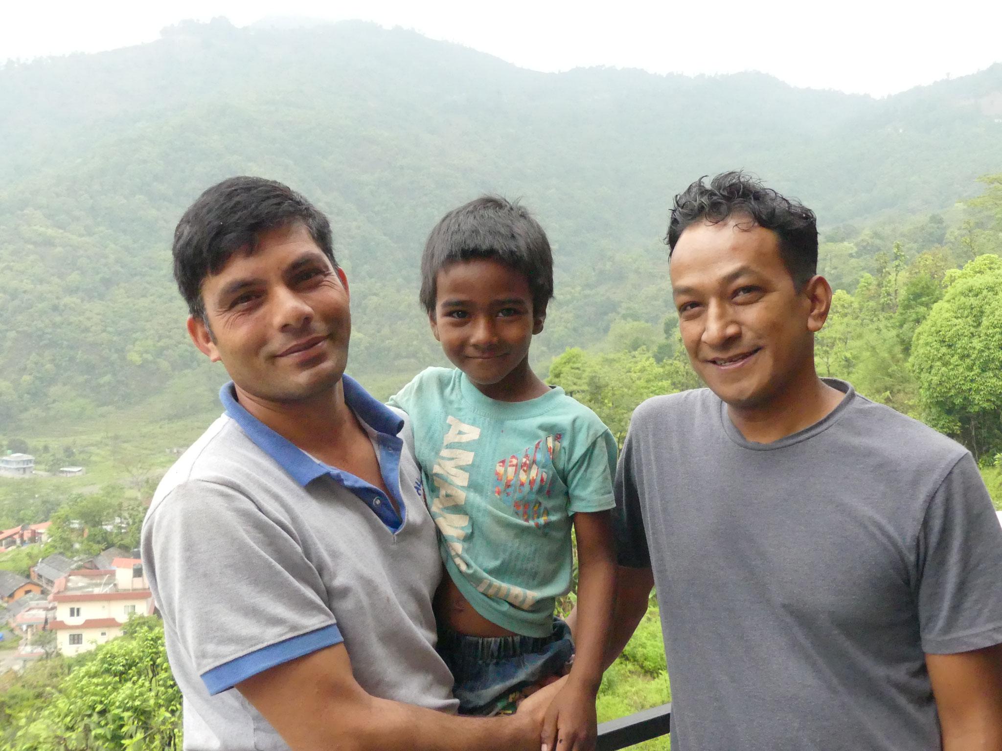 Bildung für Nepal - Govinda, Sumit, Manohar