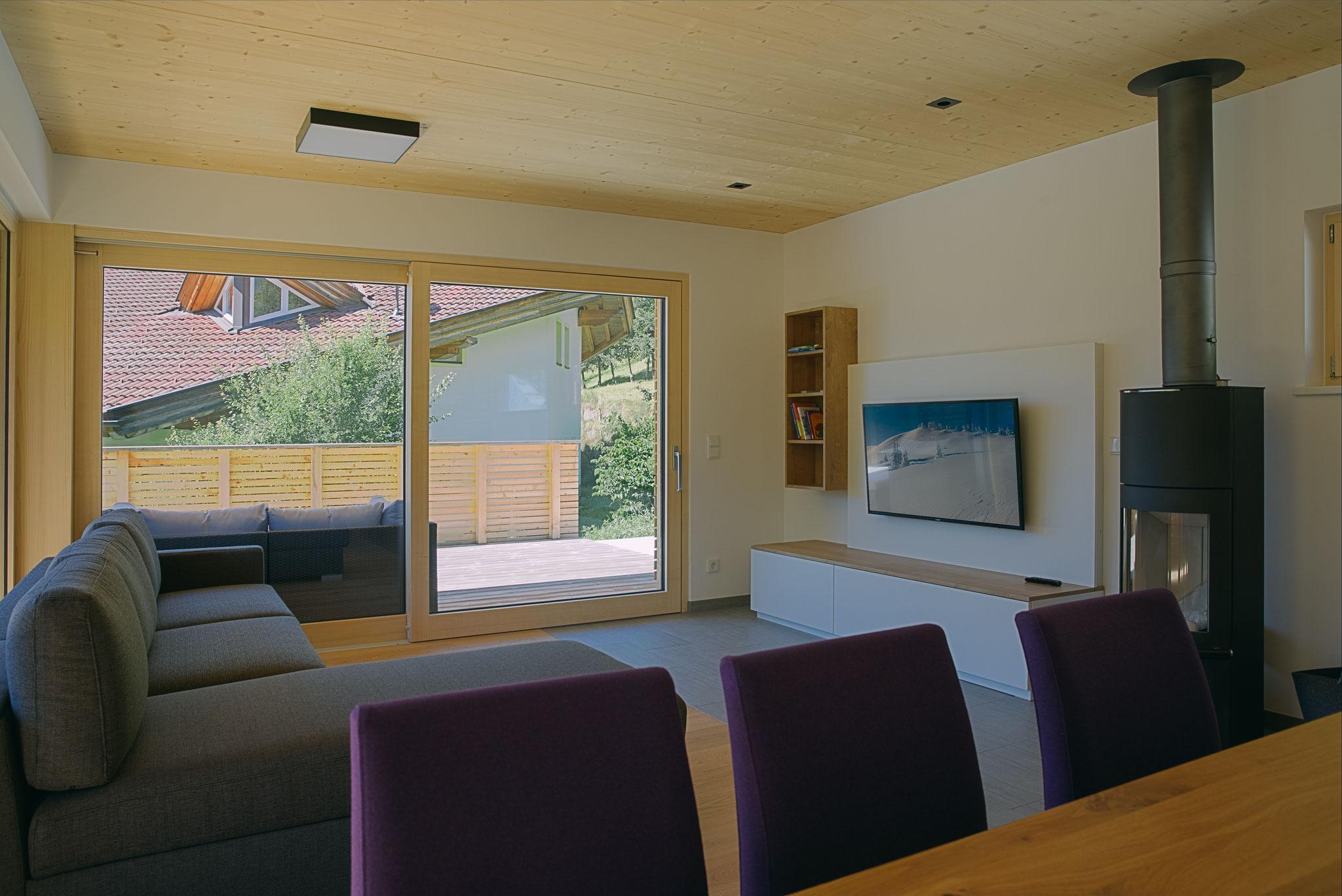 Barrierefreier Zugang zur Terrasse vom Wohn-/Essbereich