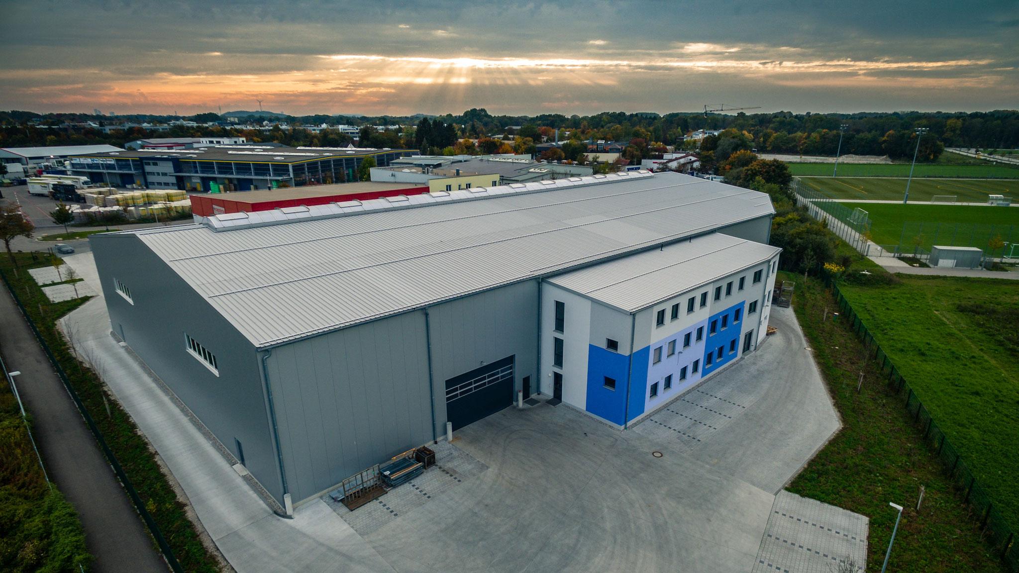 Luftaufnahme Lagerhalle München
