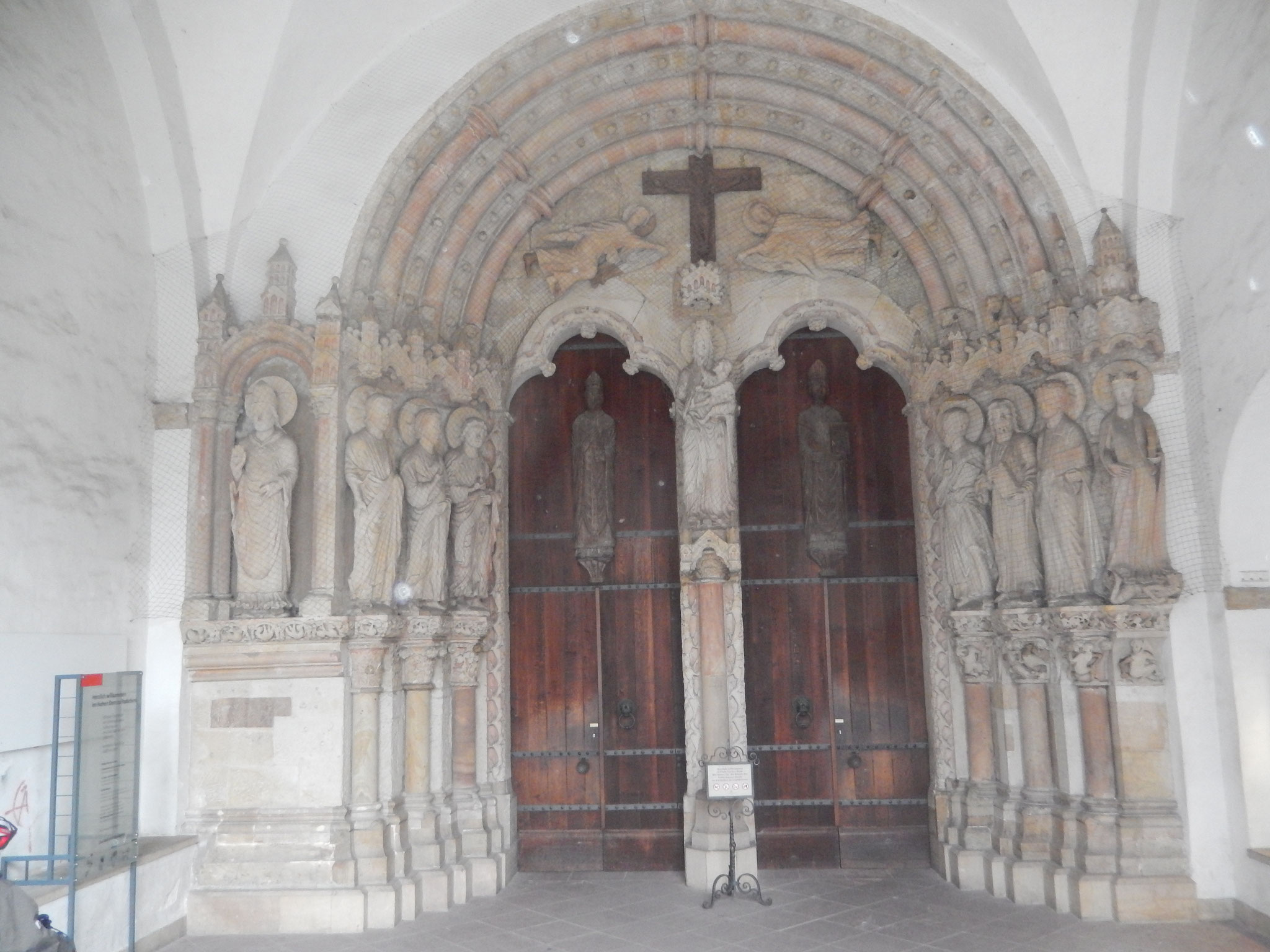 Paradiesportal des Paderborner Doms