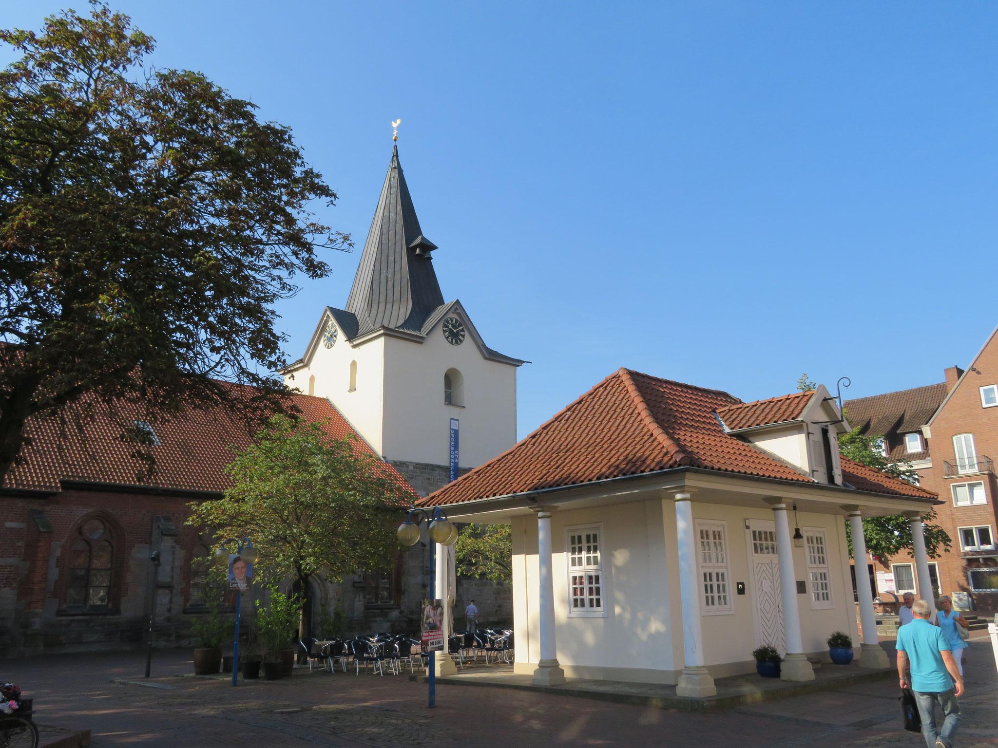 Alte Wache und Liebfrauen-Kirche von Neustadt am Rübenberge
