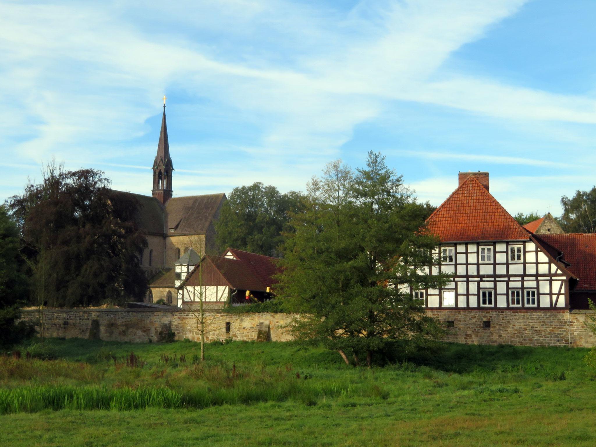 Kloster Loccum - Kirche, Gut und Mauer