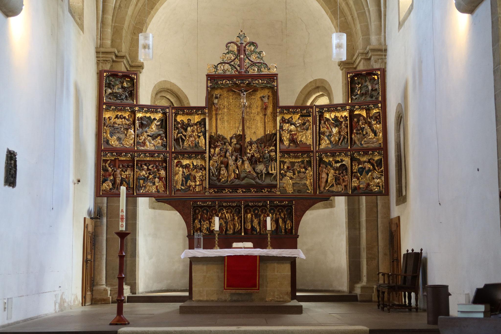 Schnitzaltar in der Stiftskirche