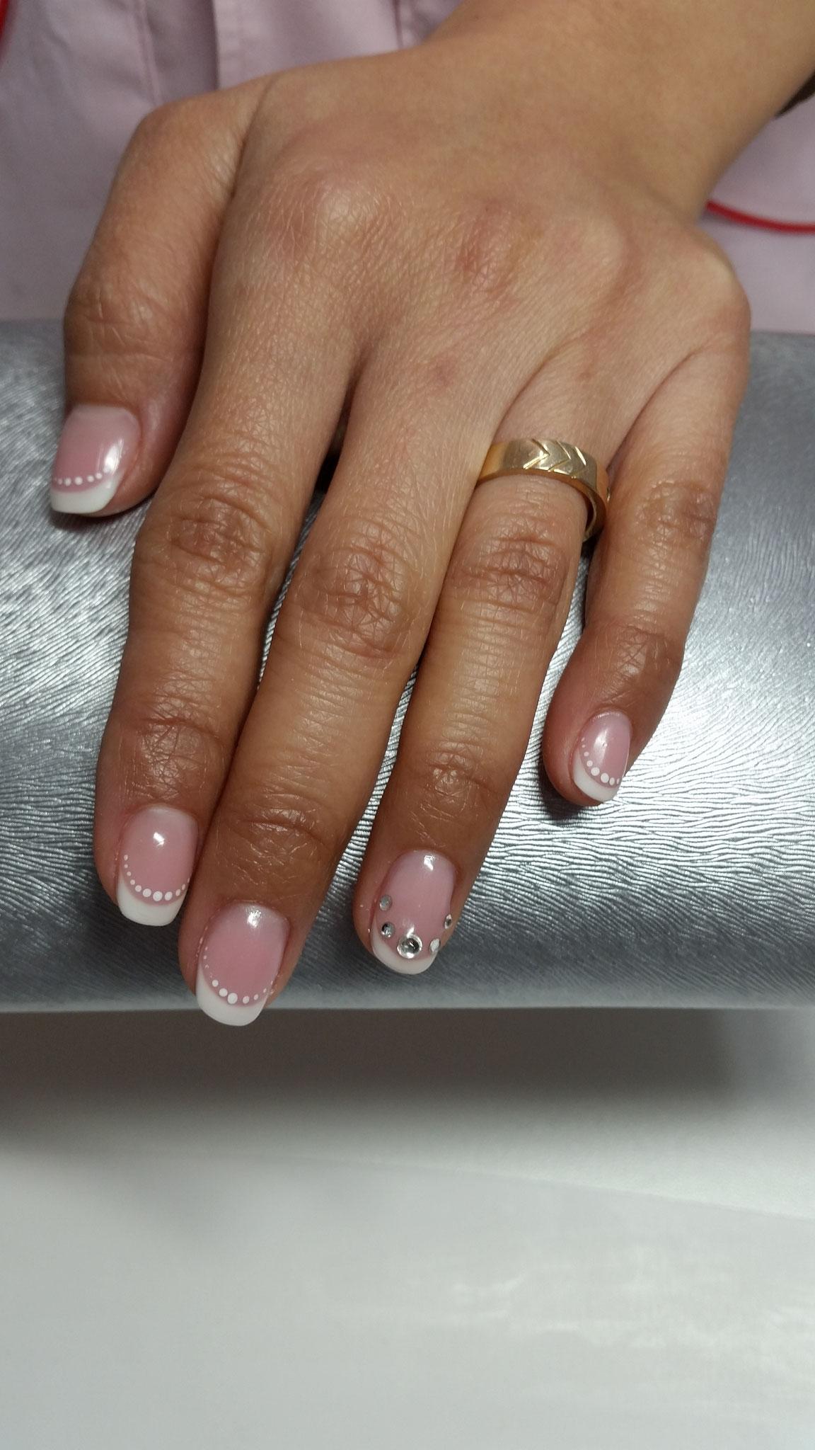 Ob Handgezeichnet oder Airbrushdesign bekommen sie jedes erdenkliche Design auf ihre Nägel