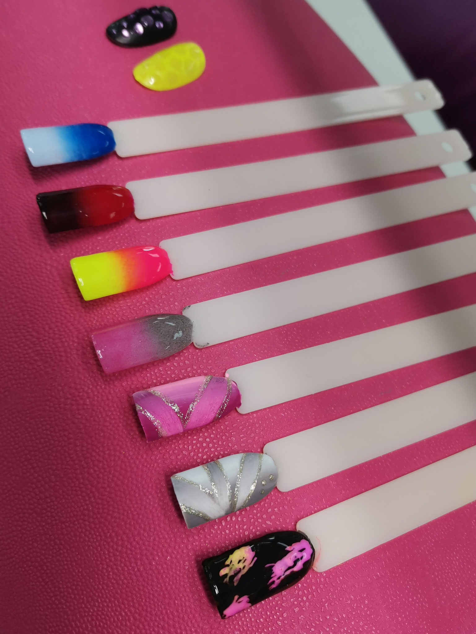NailArt Mix Media Stamping Schulung in der NailsAcademy in Neu Leopoldau in Wien 21