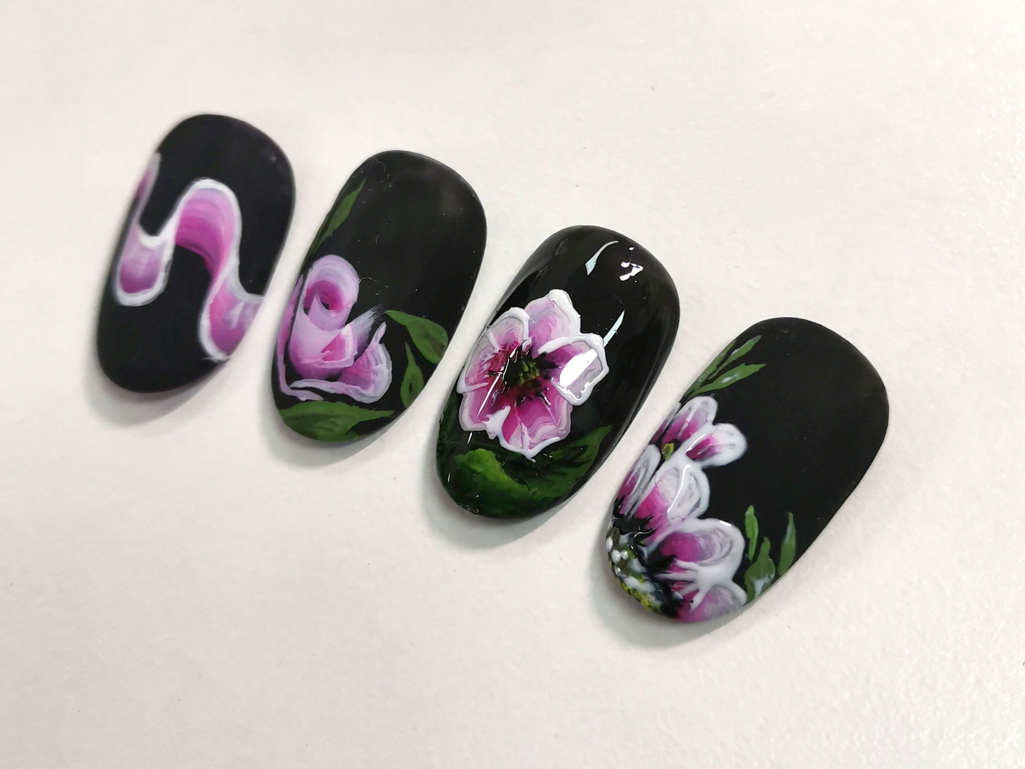 NailArt One Stroke Schulung in der NailsAcademy in Wien 21