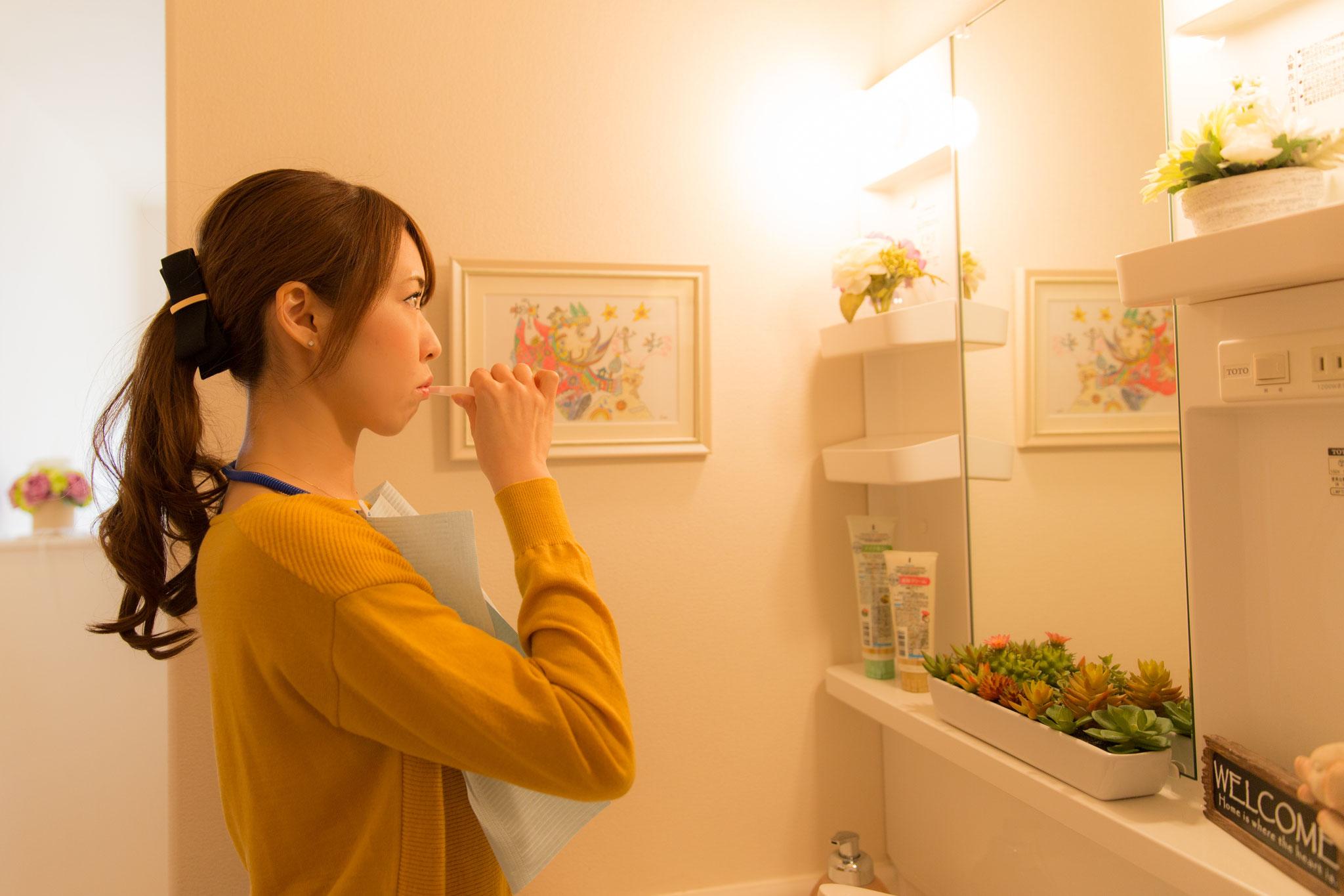 照射前と照射間で、計3回の歯磨きをしていただきます。