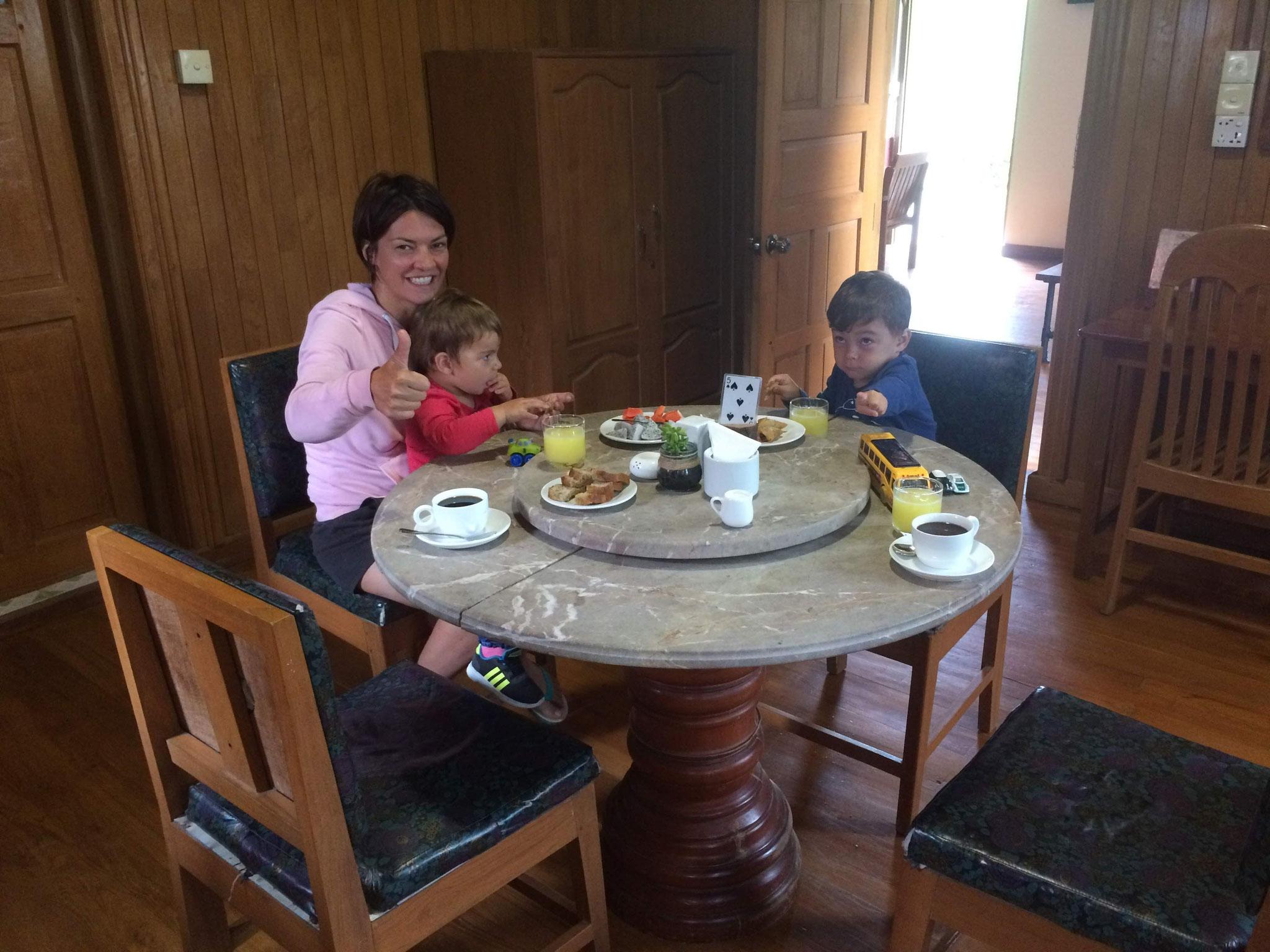 Frühstücken in der Hillock Villa