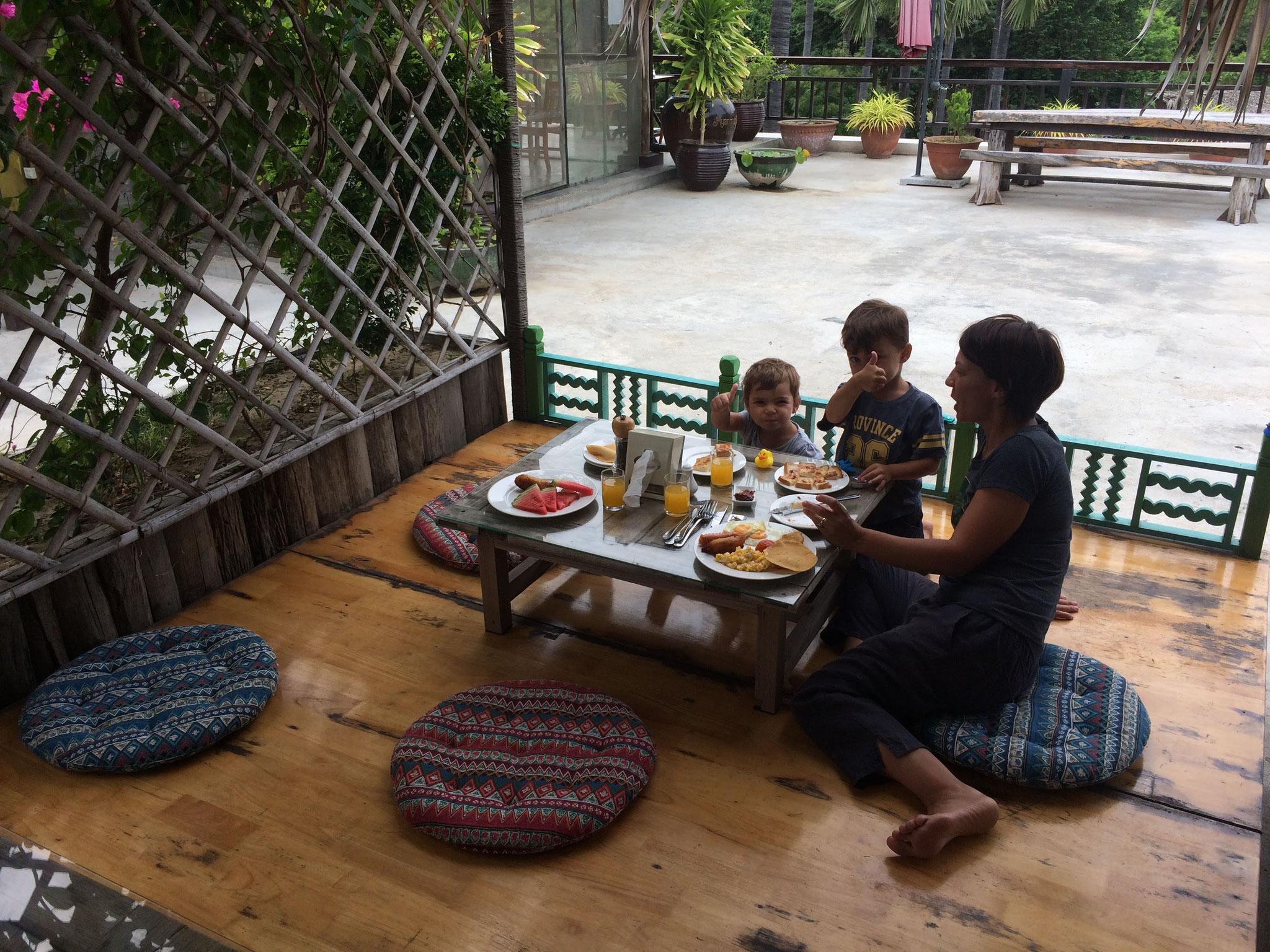 Frühstücken auf der Terrasse mit hammer Aussicht!