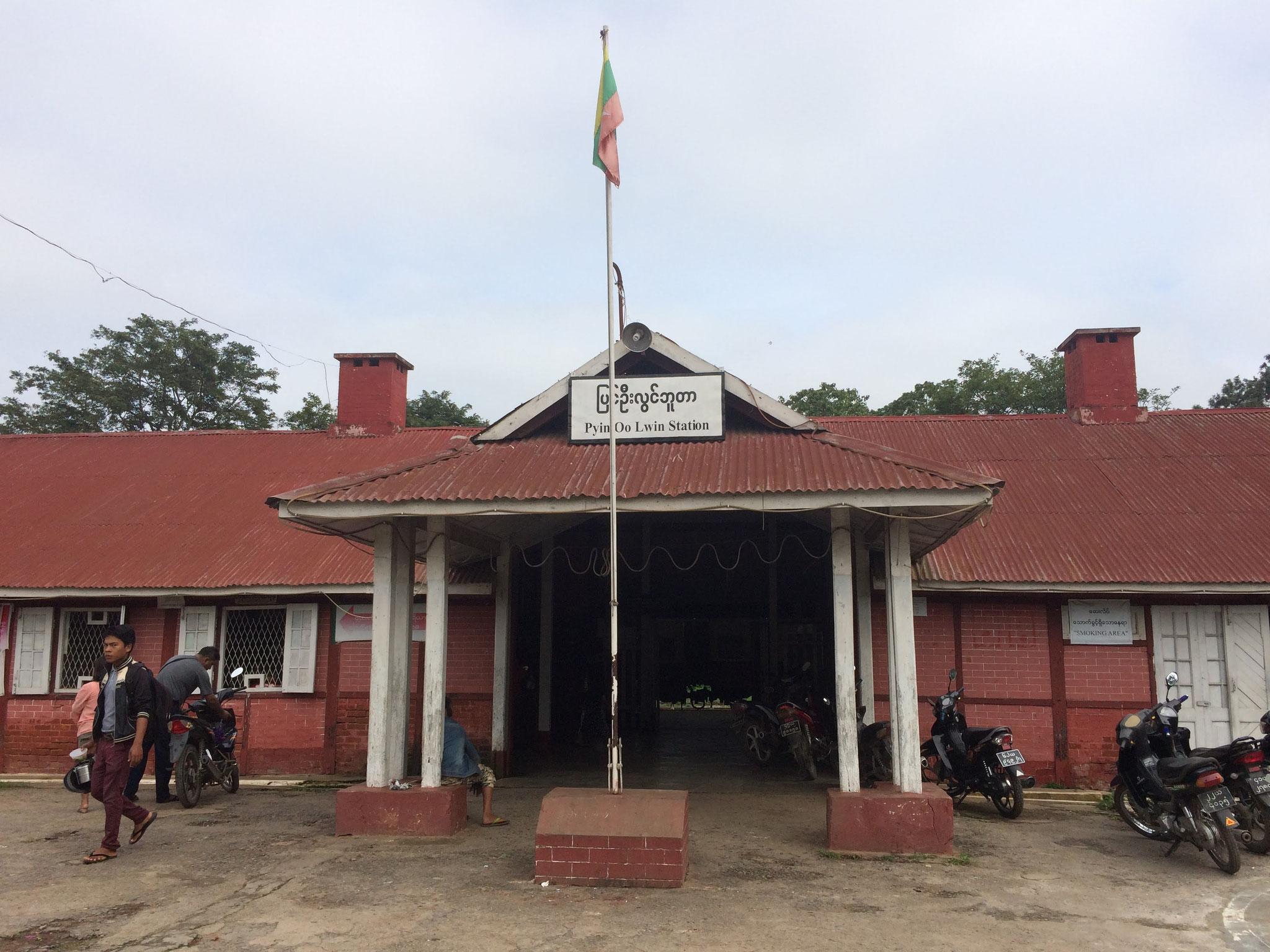 Am Bahnhof von Pyin Oo Lwin