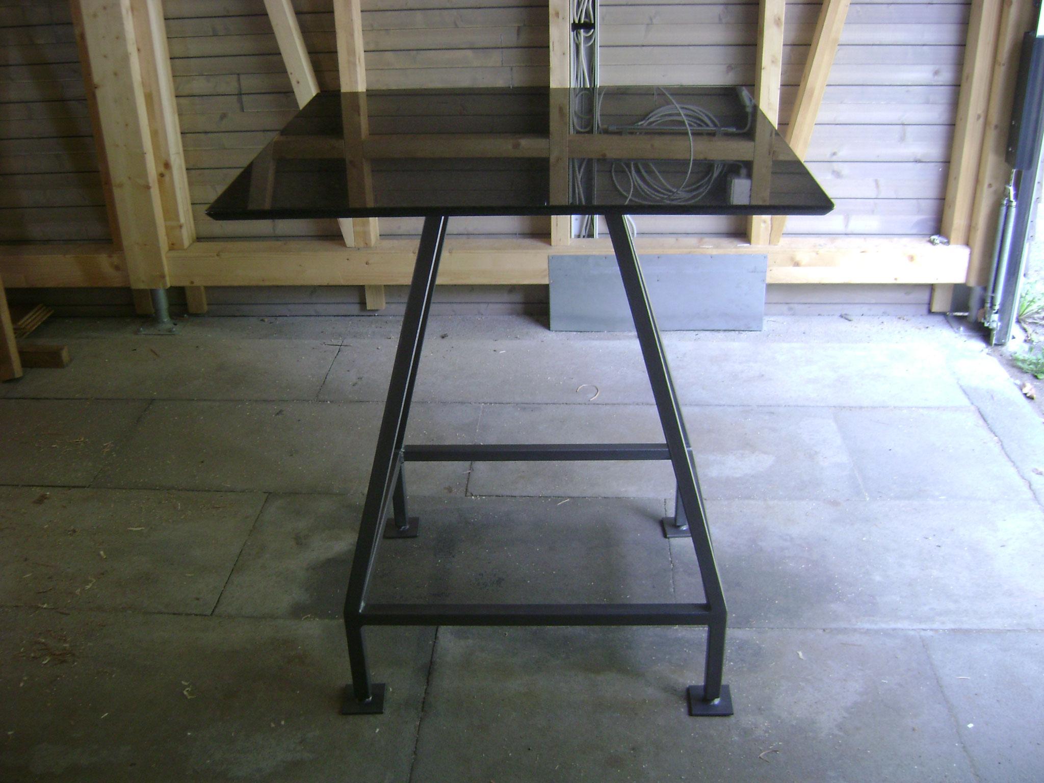 Tischgestel für Granitplatte