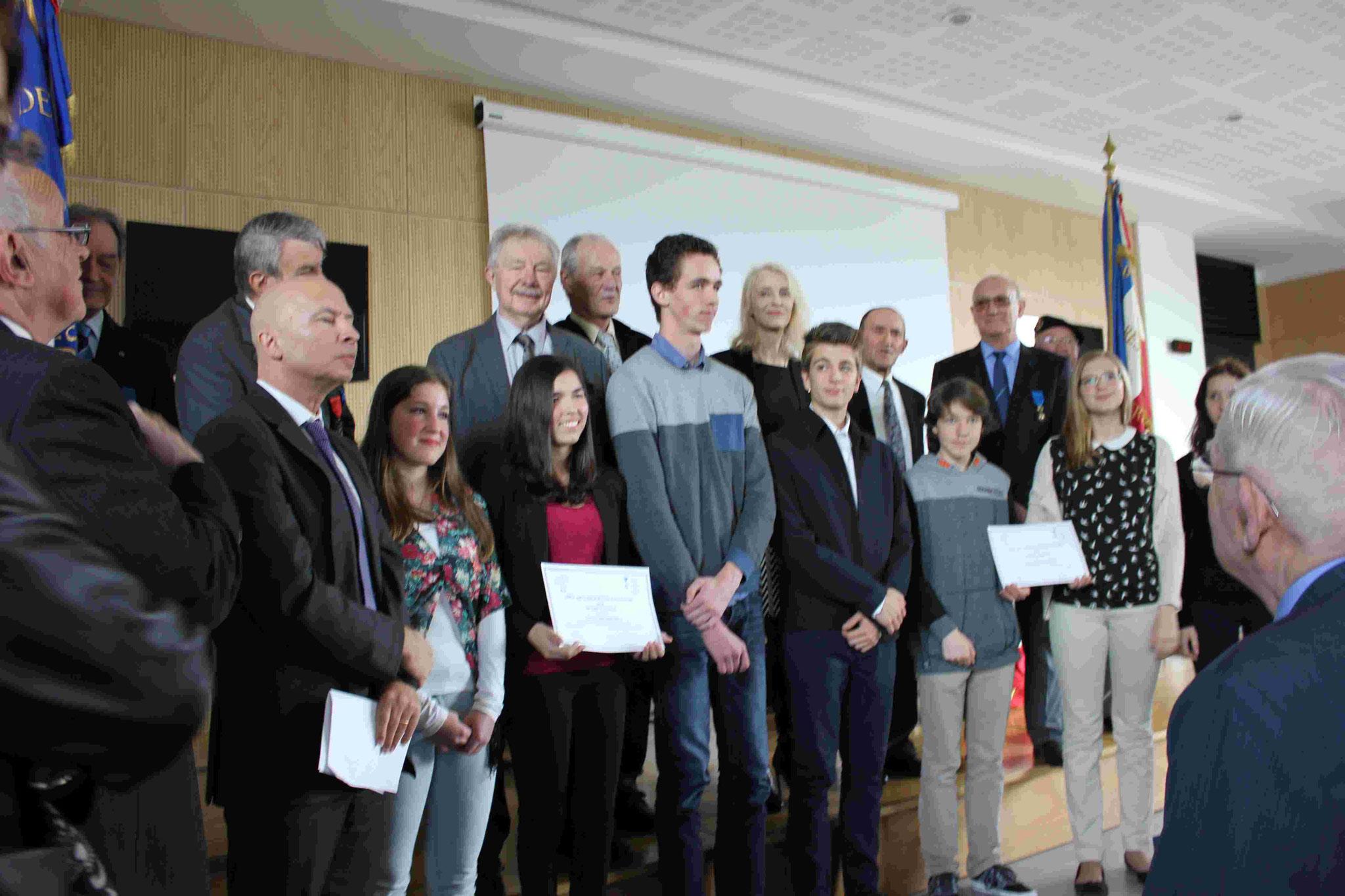 Distinction de jeunes au Prix de l'éducation citoyenne de l'Ordre National du Mérite