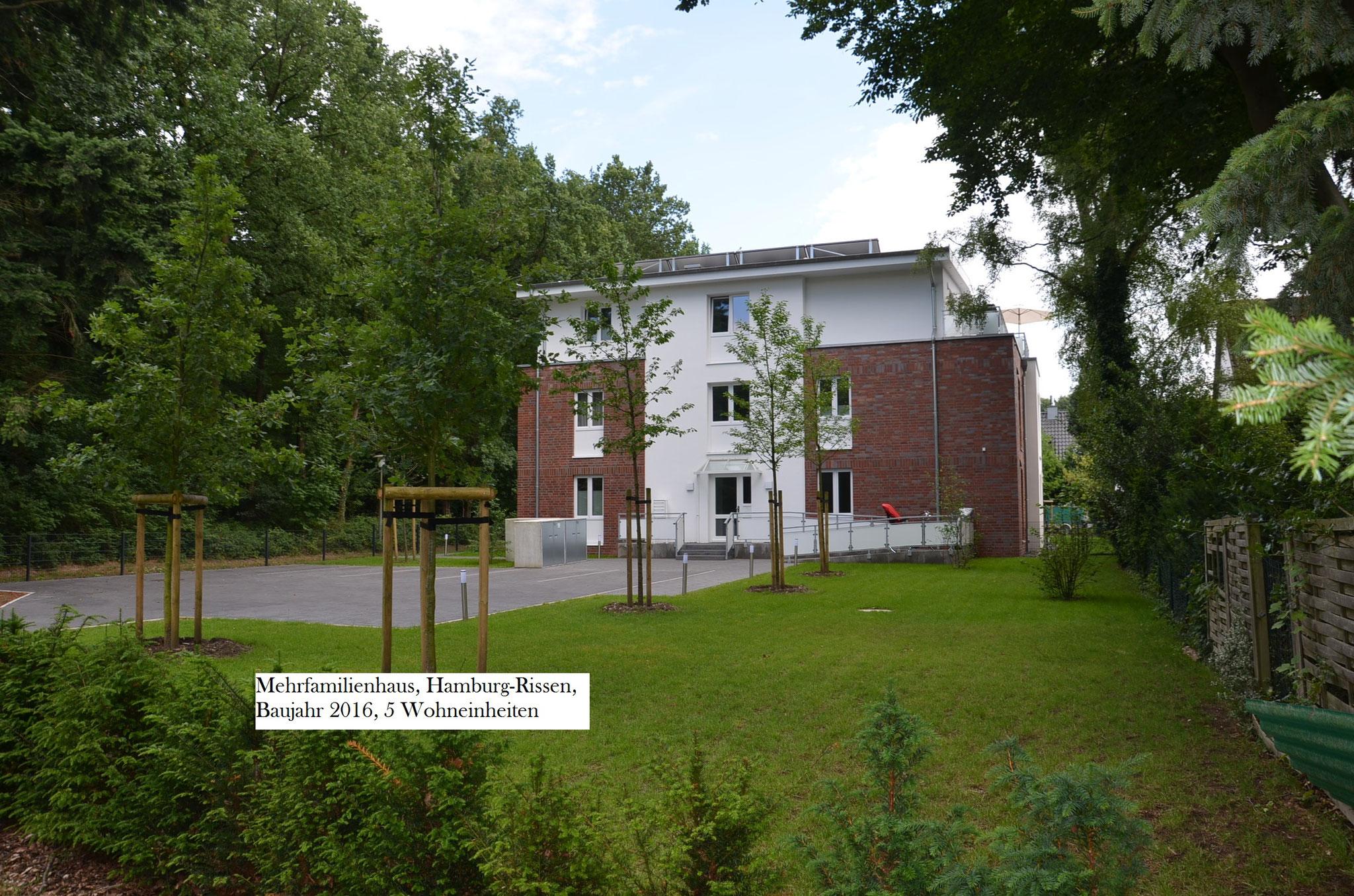 Mehrfamilienhaus - Rissen - Baujahr 2016 - 5 Wohneinheiten