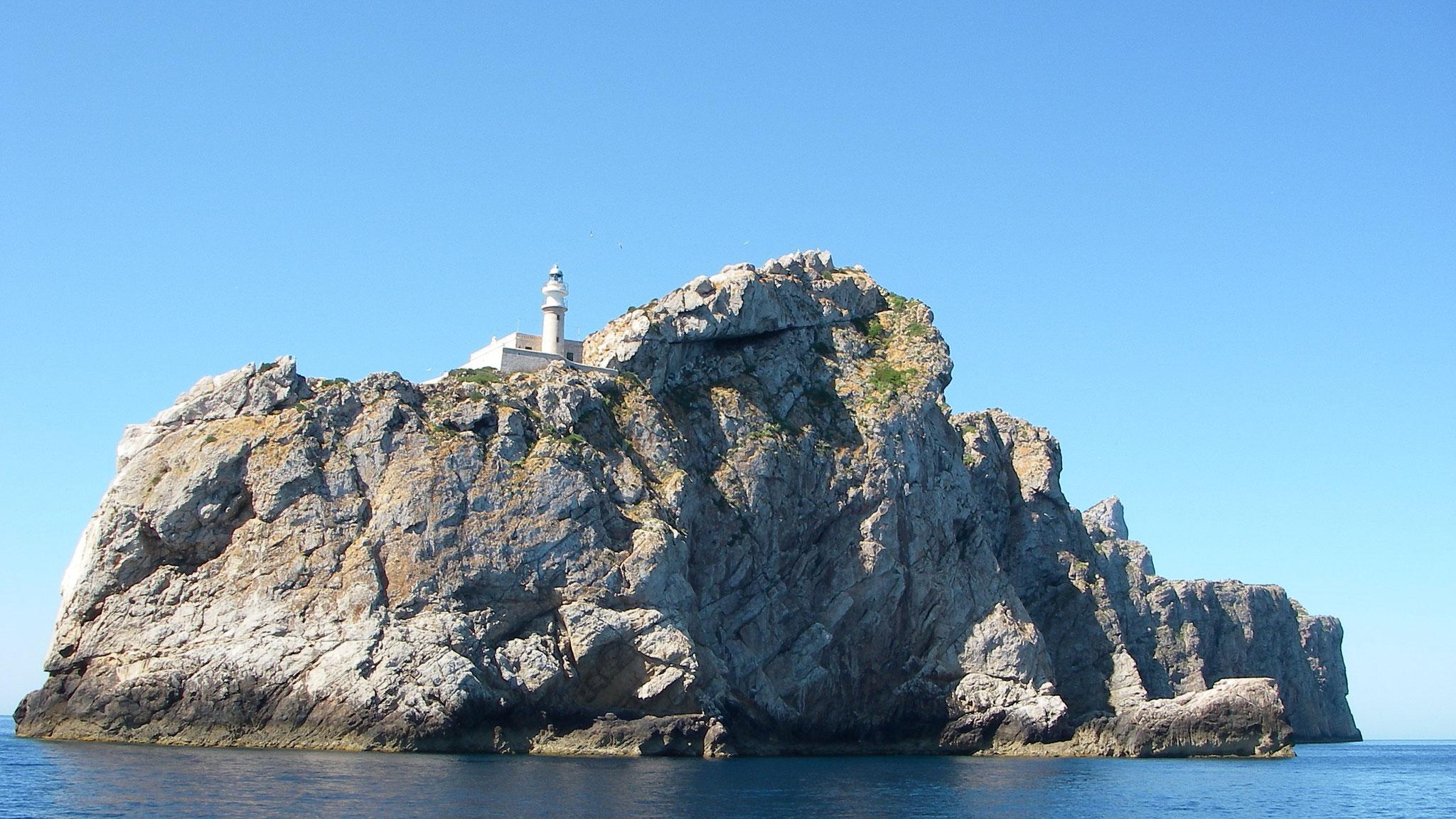 Leuchtturm auf Felsen