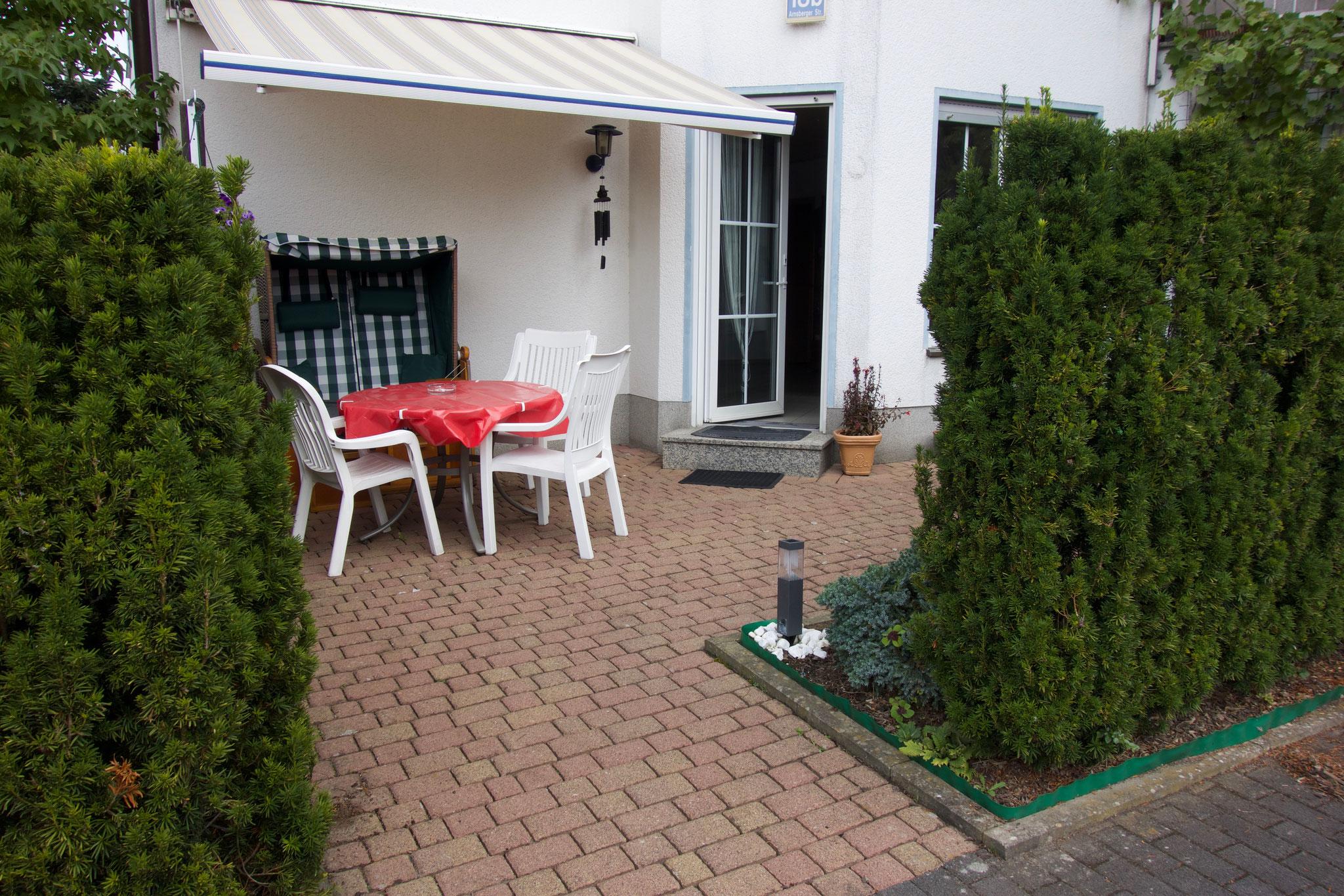 Ihre Terrasse mit direktem Eingang in die Wohnung