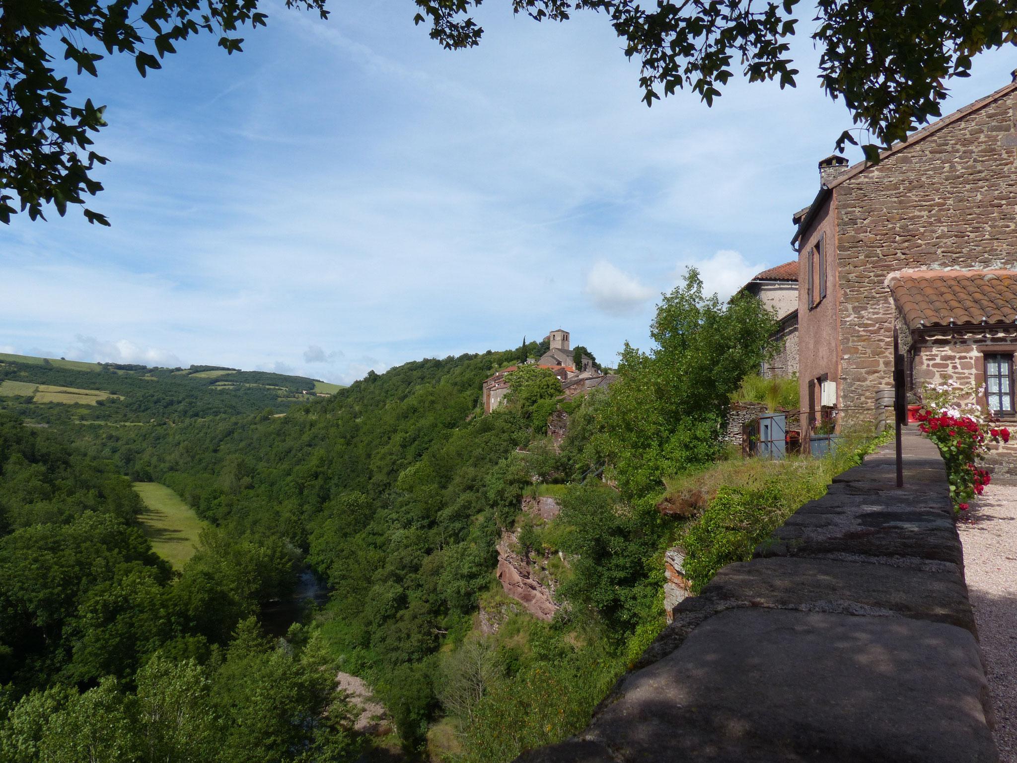 Le village de Combret, à proximité