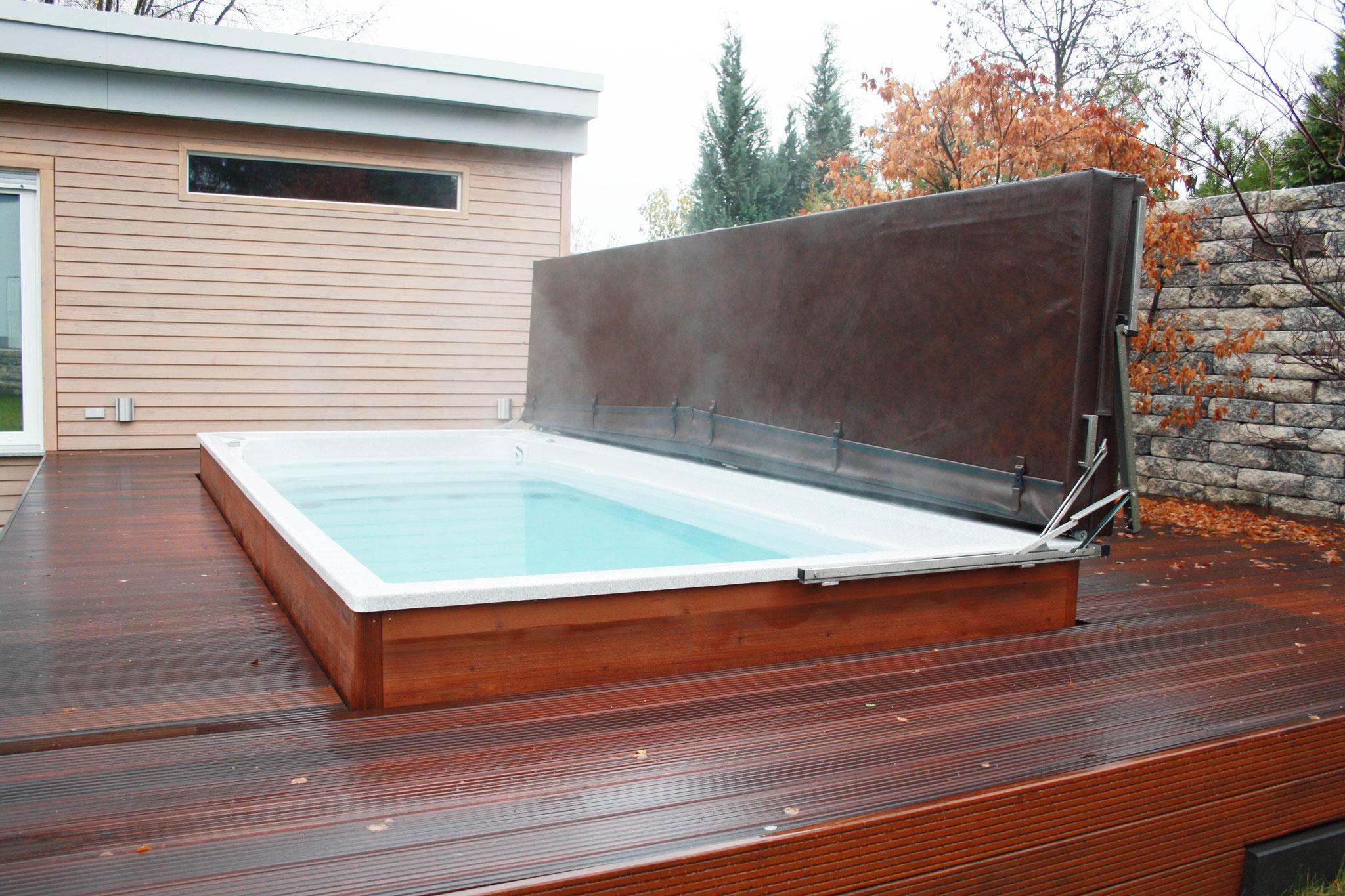 schwimmspa terrasse