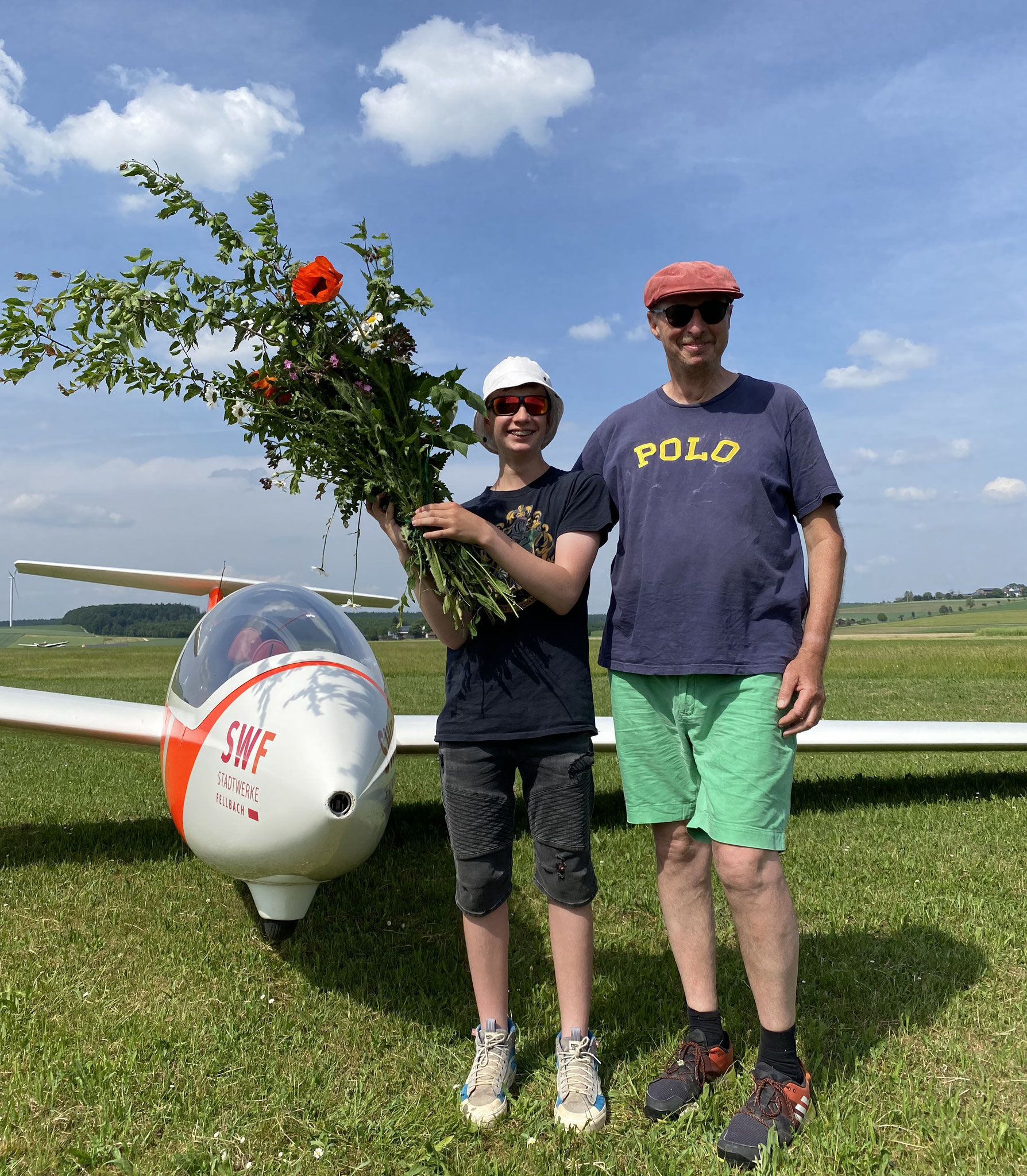 Urs und Fluglehrer Jürgen strahlen um die Wette