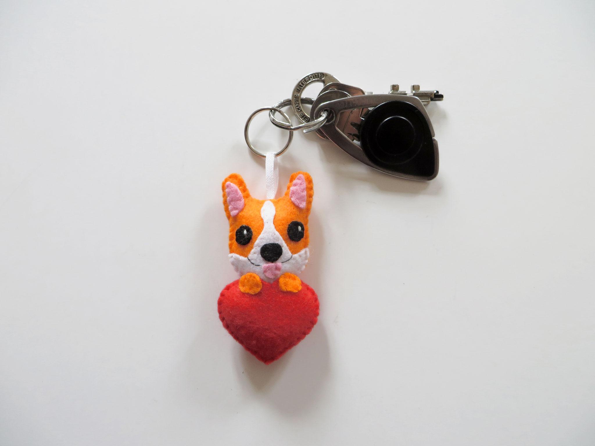 Porte clé chien, corgi, en feutrine, fait main, cadeau fête des mères