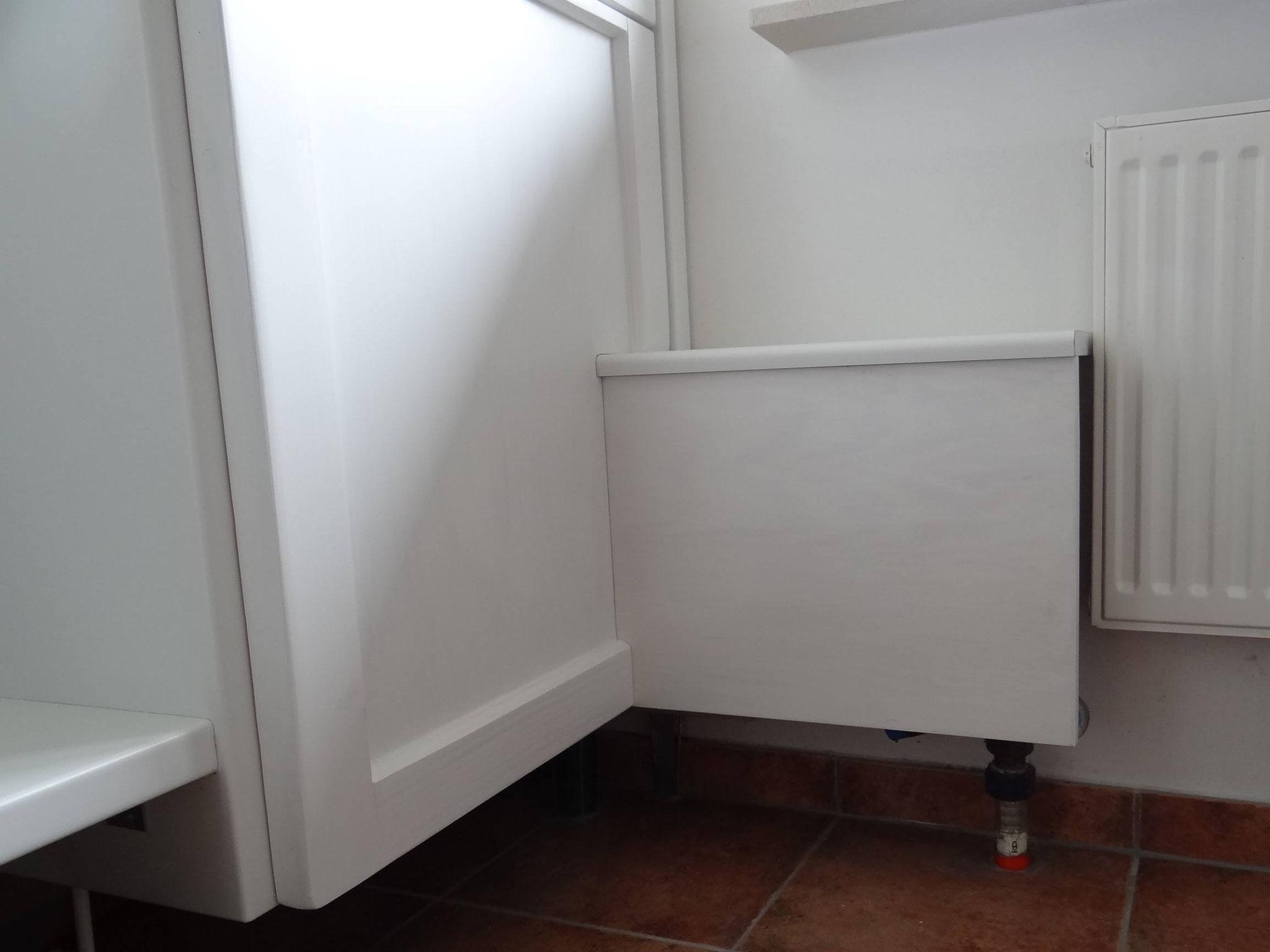 Detail Wasseruhr mit Tür