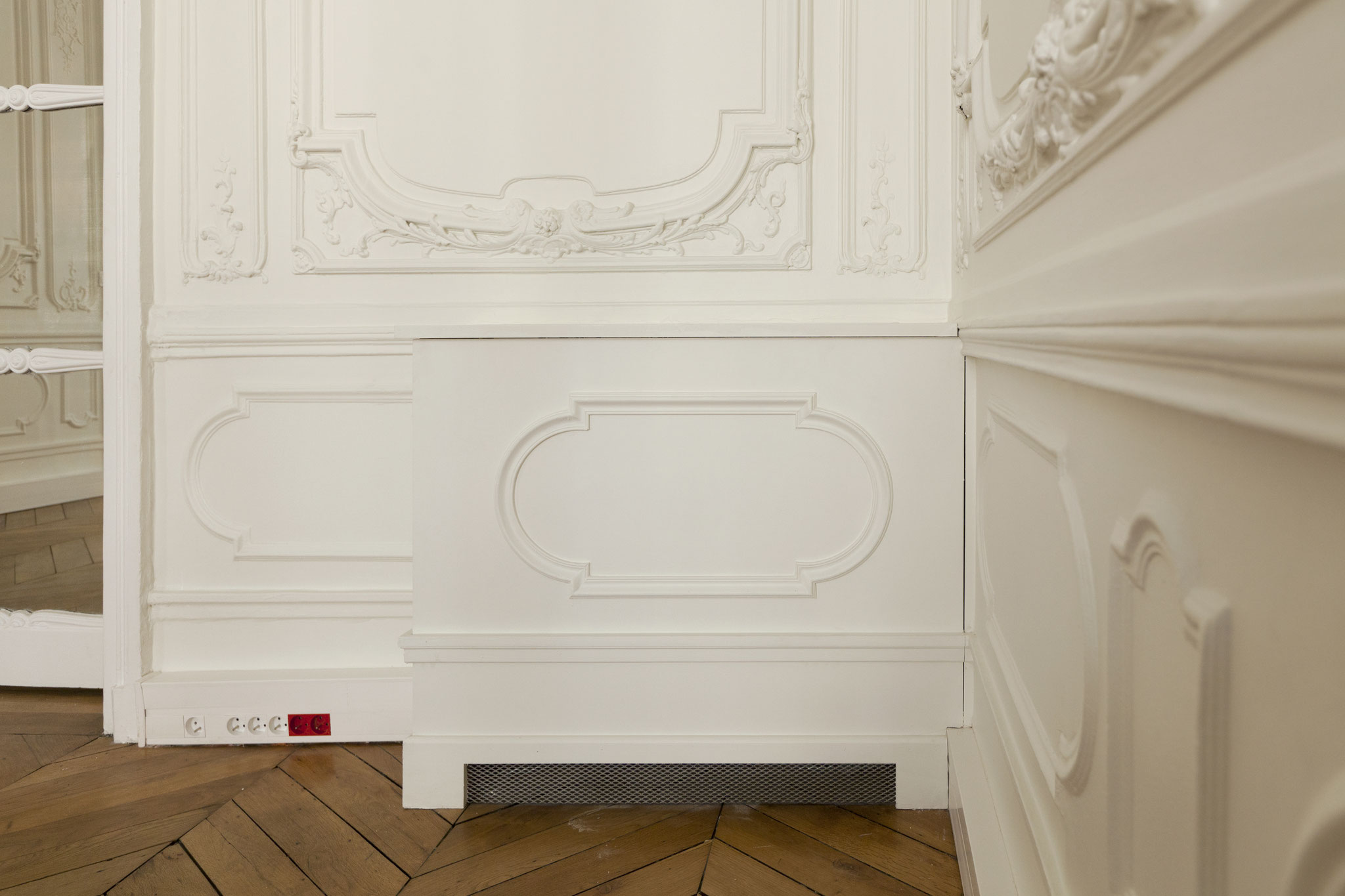 Unité intérieure de climatisation en console, rue de la Bienfaisance Paris