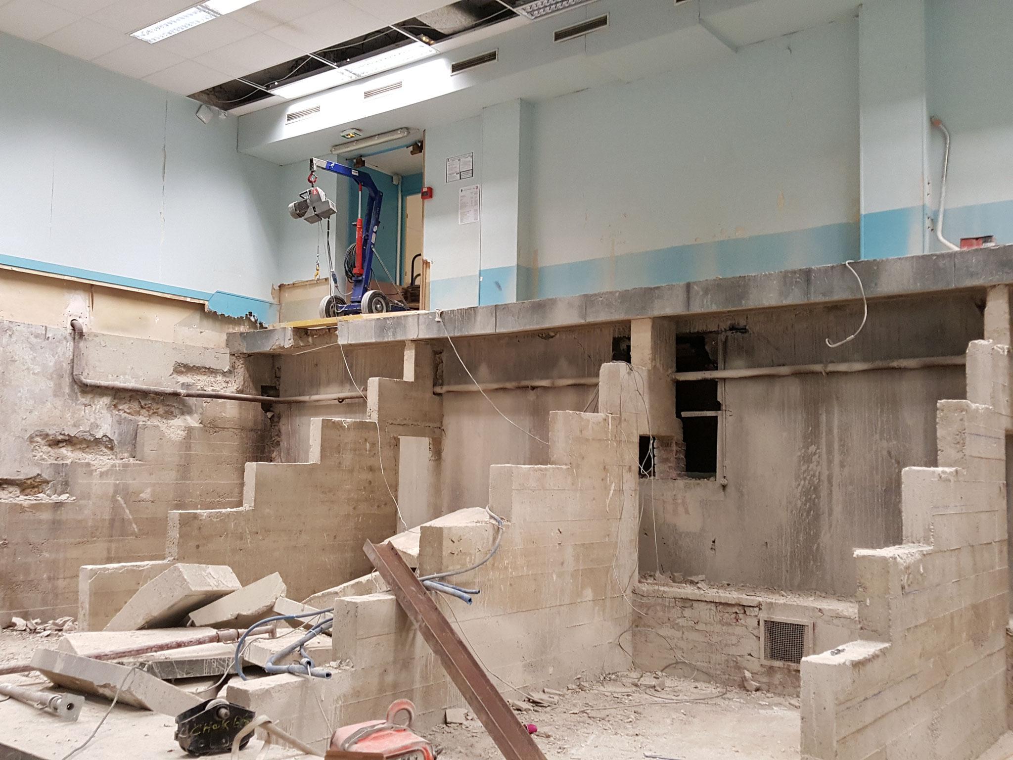 L'amphithéâtre Moissan en cours de curage