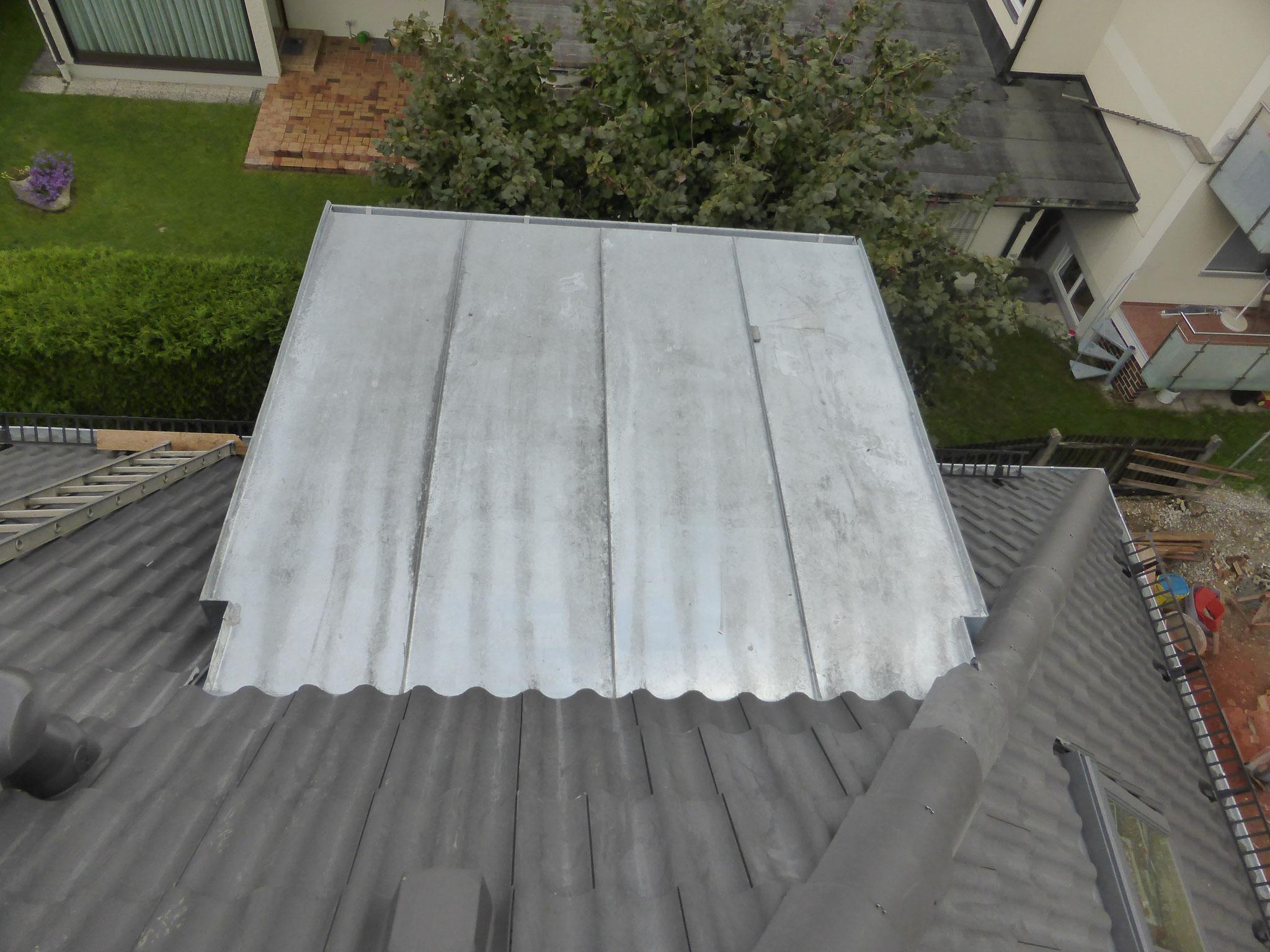 Dachgaube mit Titanzinkdach im Ziegeldach