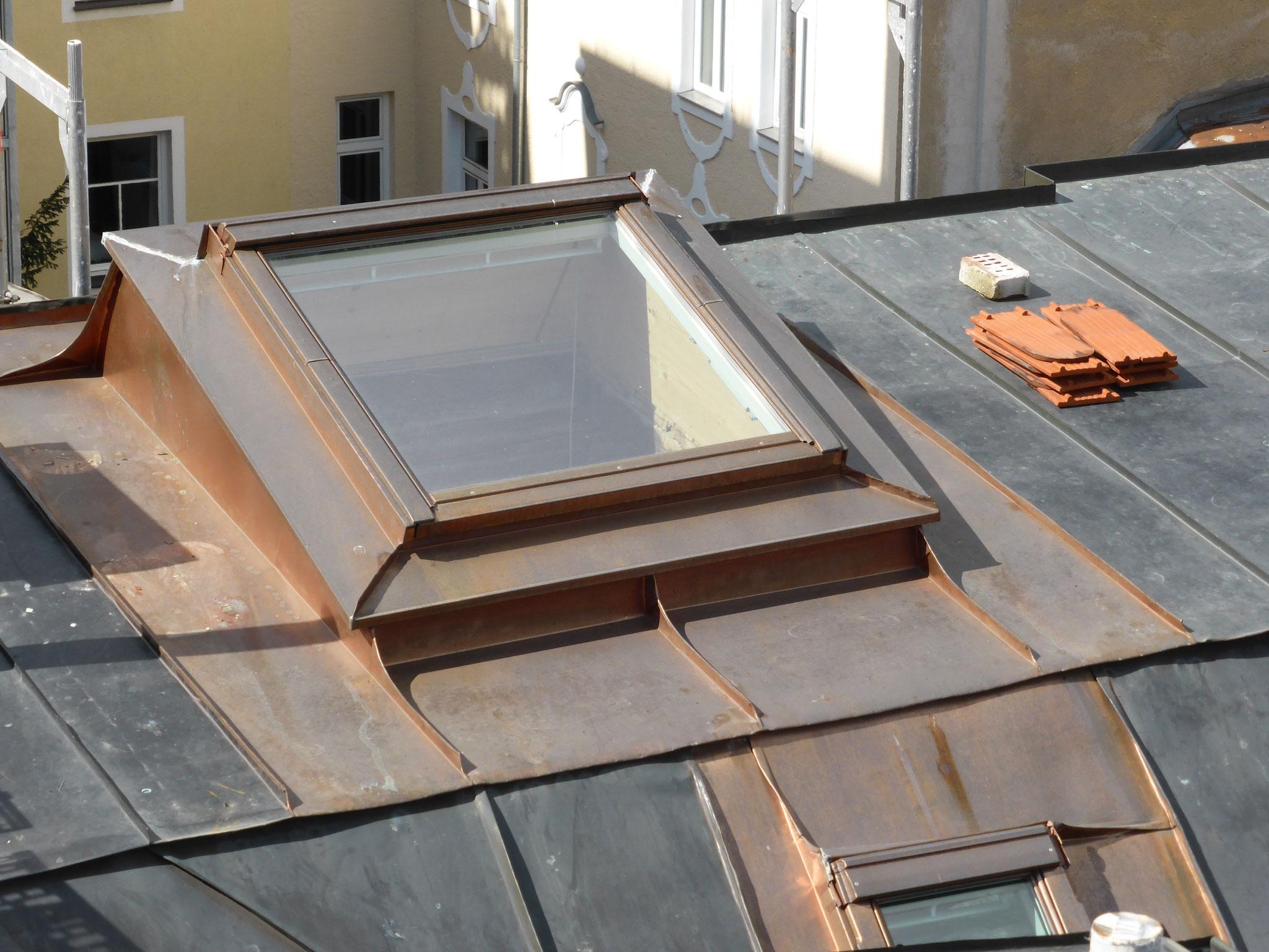 Einbau eines Dachflächenfensters in ein bestehendes Blechdach