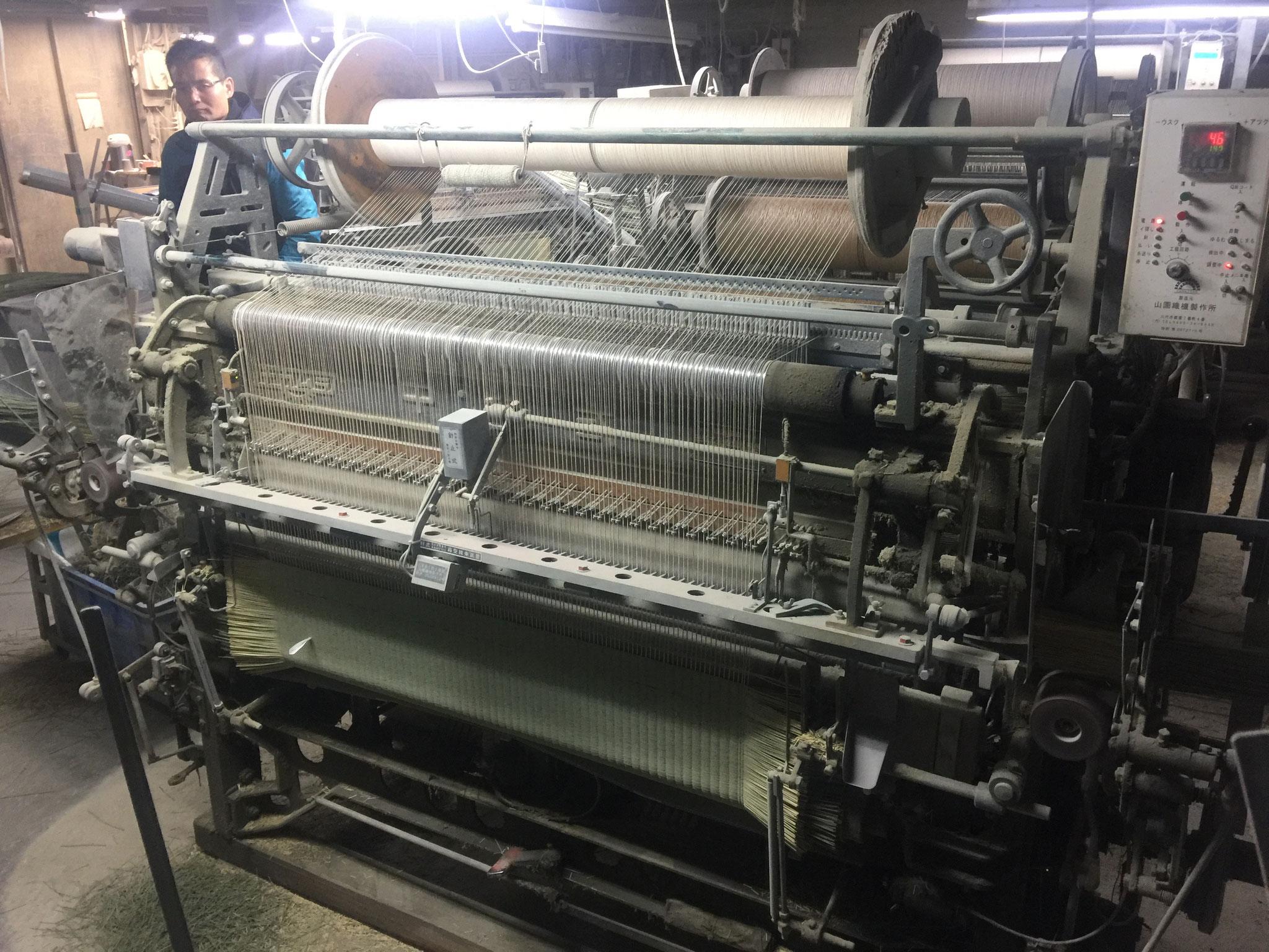 イ草をゴザに織る機械キレイに手入れをしてありました
