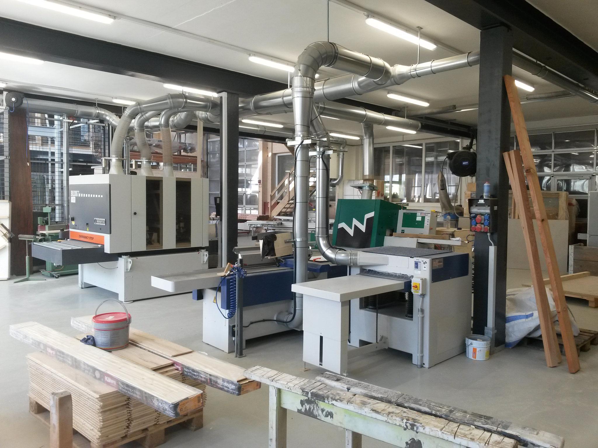 Diverse Standardmaschinen inkl. Absaug- und Druckluftinstallation
