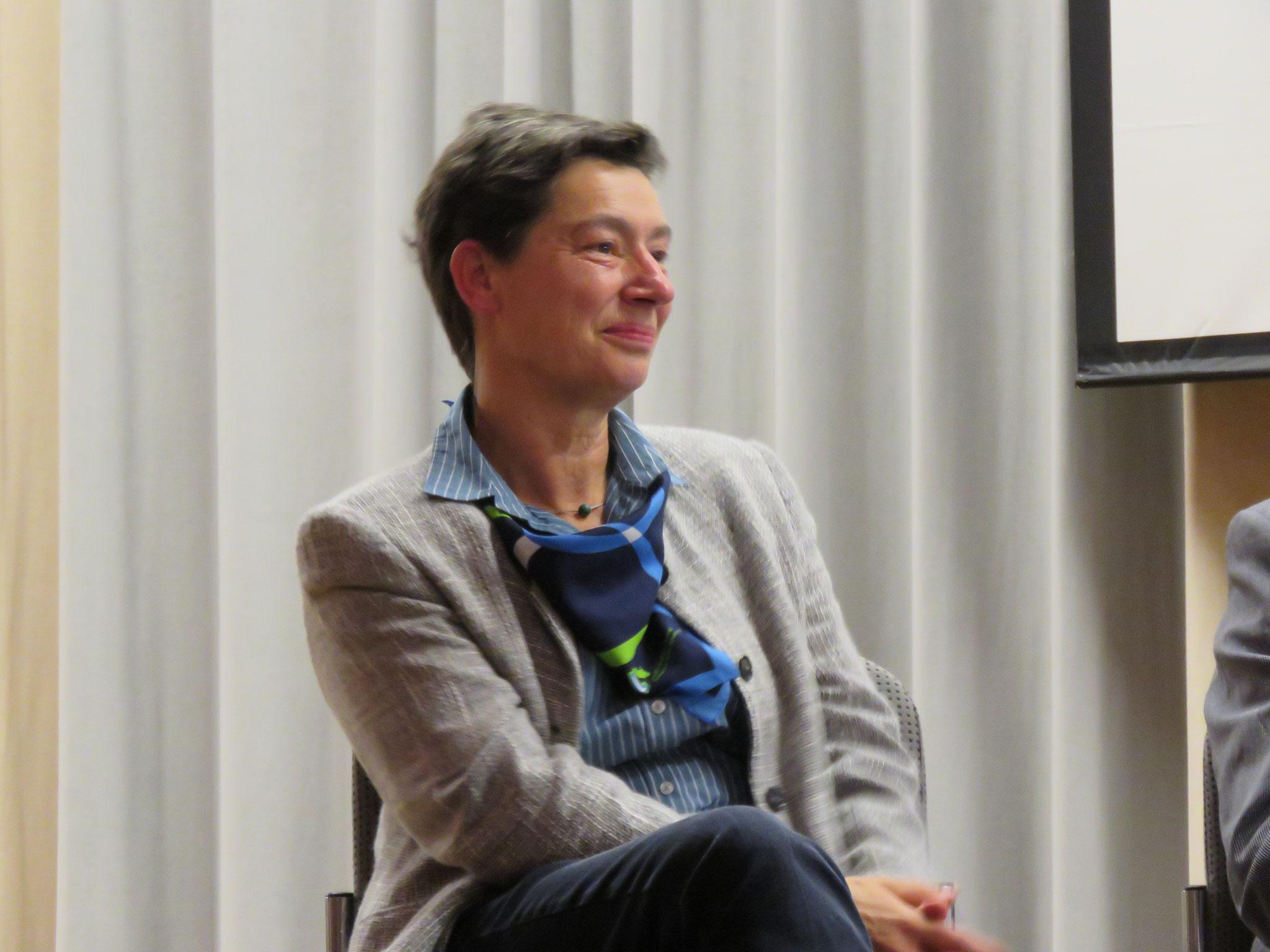 Moderatorin Ulrike Michaelis