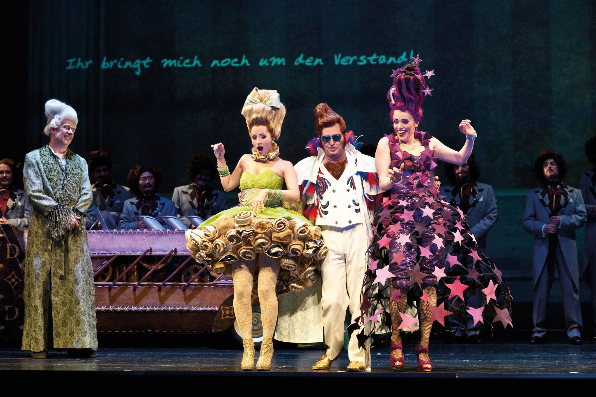 La Cenerentola, with Matthias Winter, Franziska Krötenheerdt and Andreas Kindschuh, The Choir of The Opera Chemnitz, Foto: DIeter Wuschanski