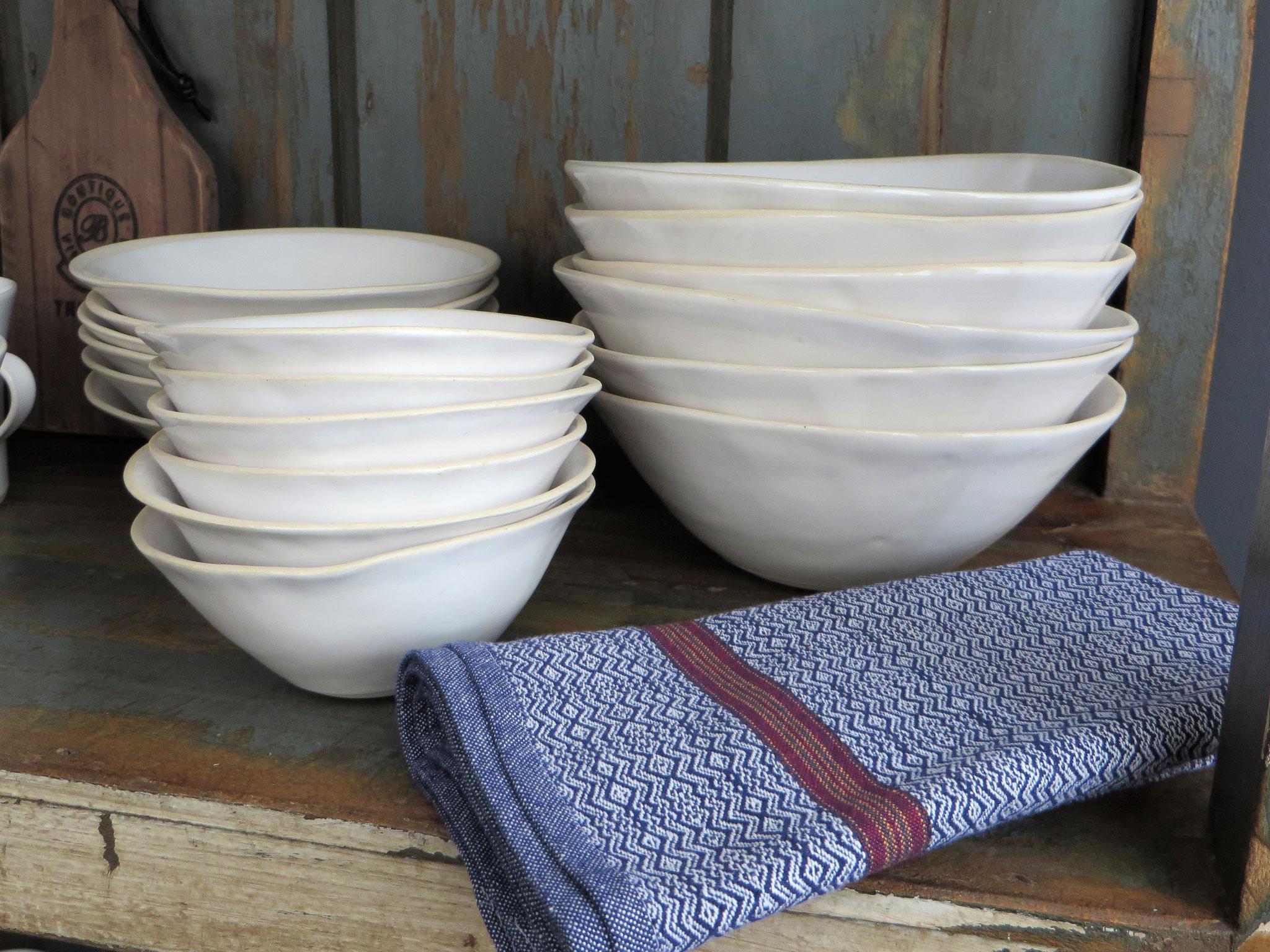 Wonki Ware Keramik mit Mungo Boma Serviette