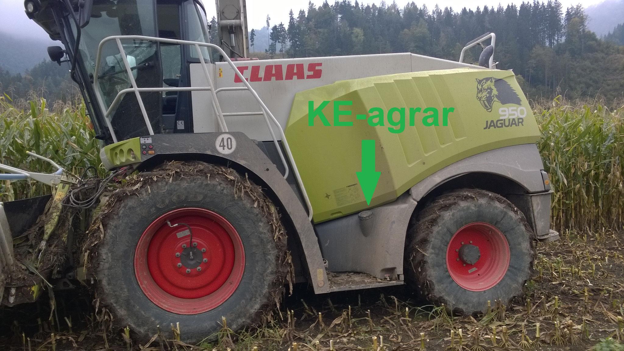 Die Dosierung über einen Feldhäcksler garaniert eine optimale Verteilung von KE-agrar.