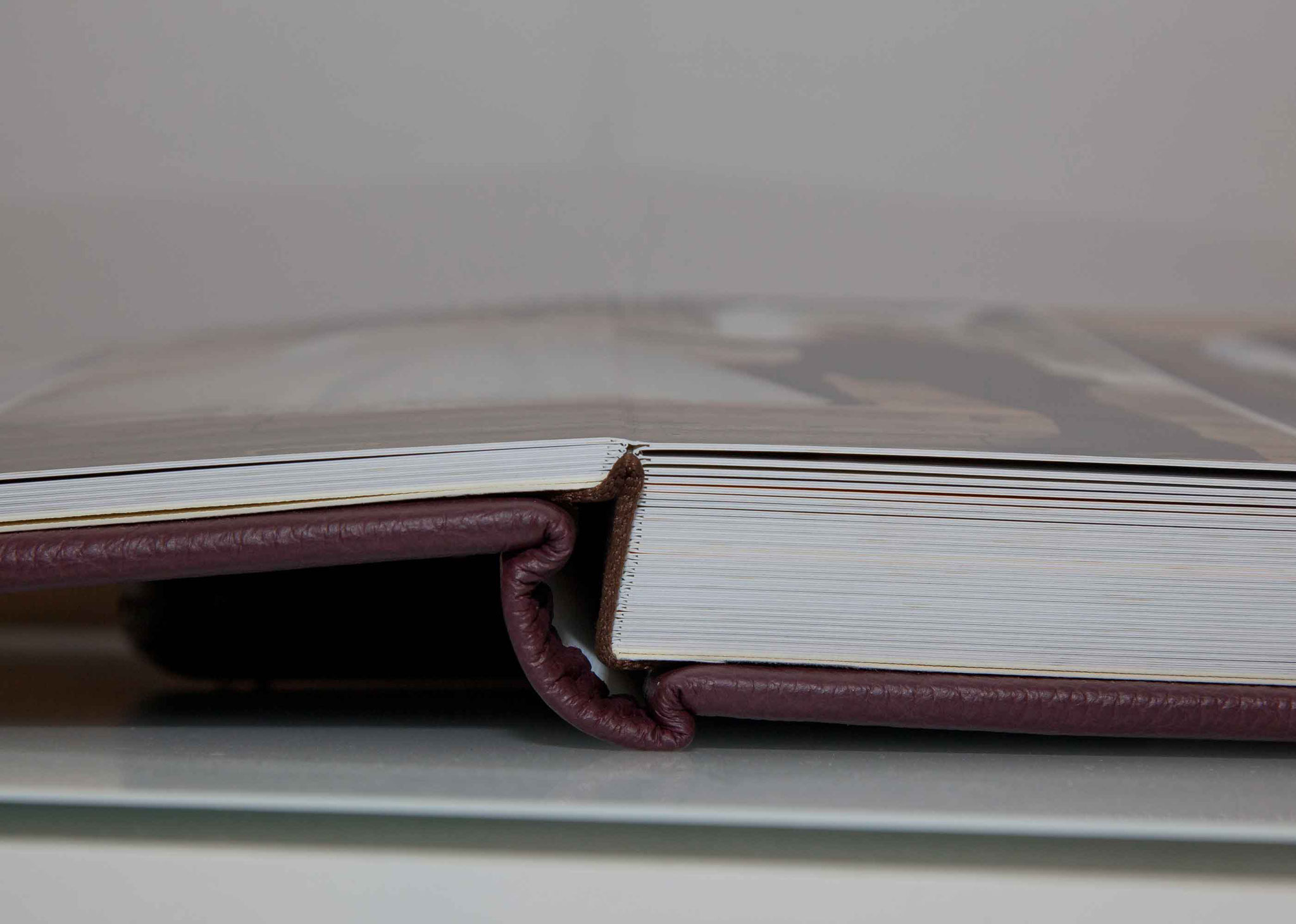 Die Seiten sind 1,2 mm dick
