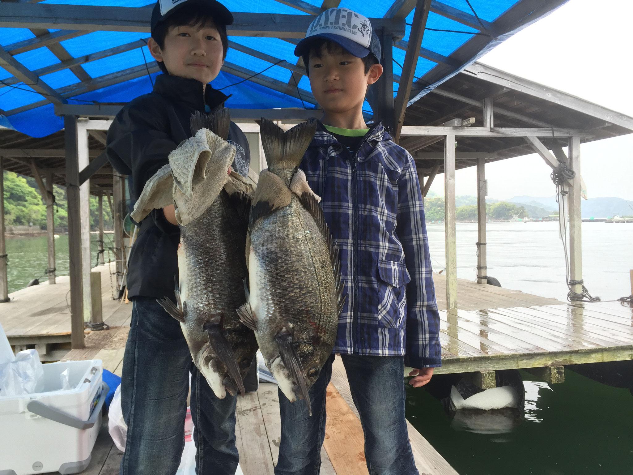 兄弟で50cmオーバー、心も身体も成長しつつ釣りあげる魚にも新たな目標を持ちながら釣りを楽しめるっていいですね!