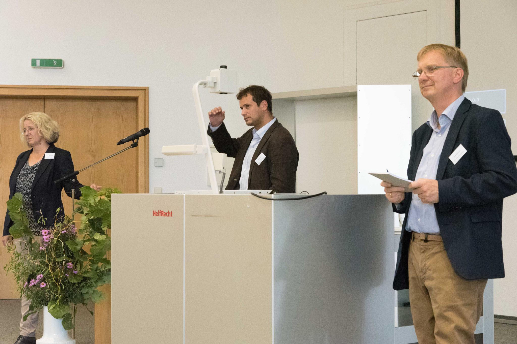 Dr. Rolf Becker moderierte die Diskussion der Vorträge von Schulz und Klein