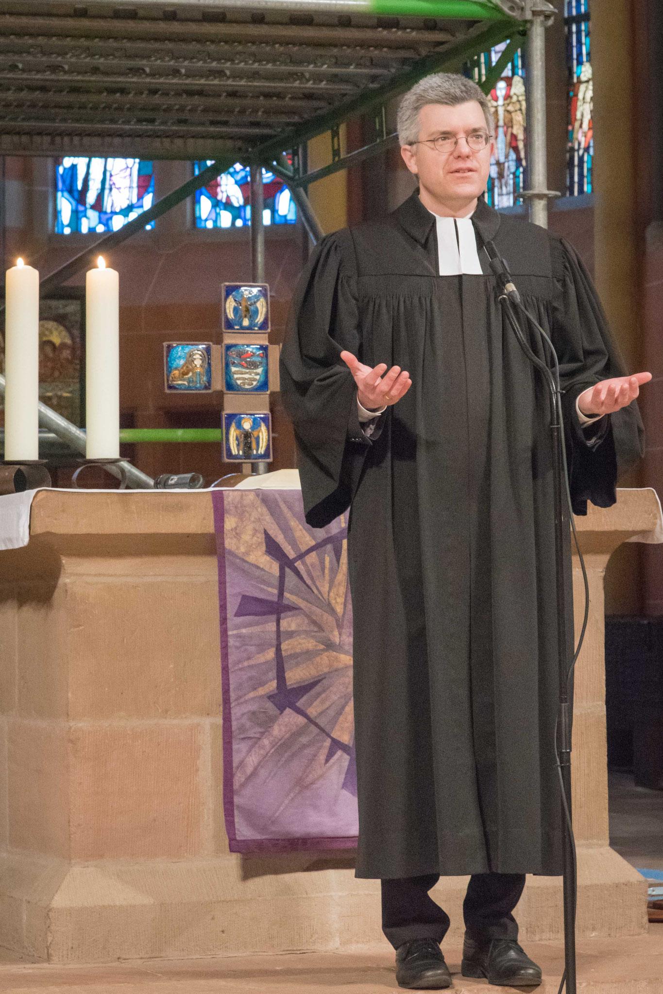 Pfarrer Dr. Matthias Franz begrüßte die Gemeinde und gestaltete die Liturgie
