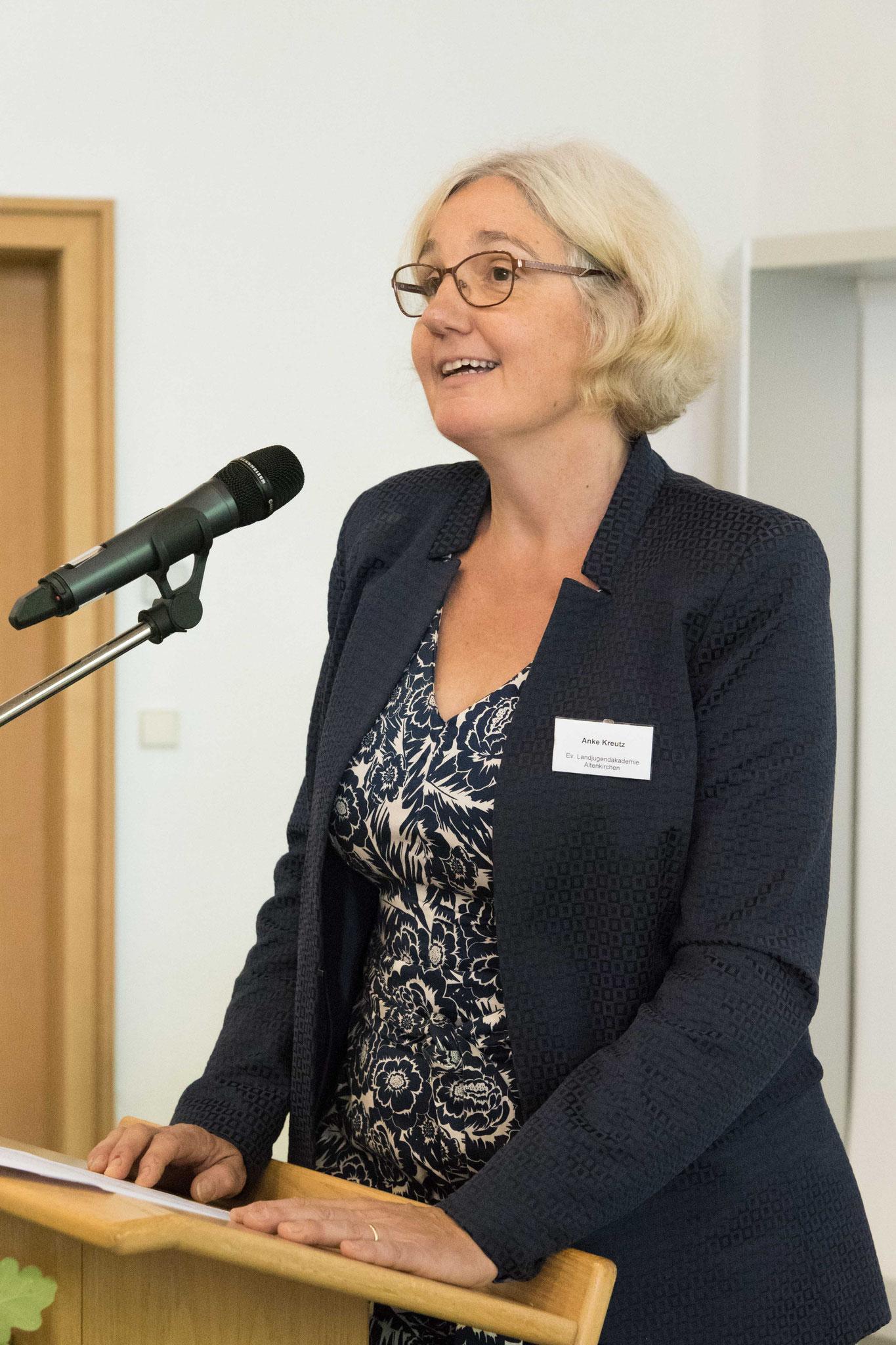 Anke Kreutz,  Moderation