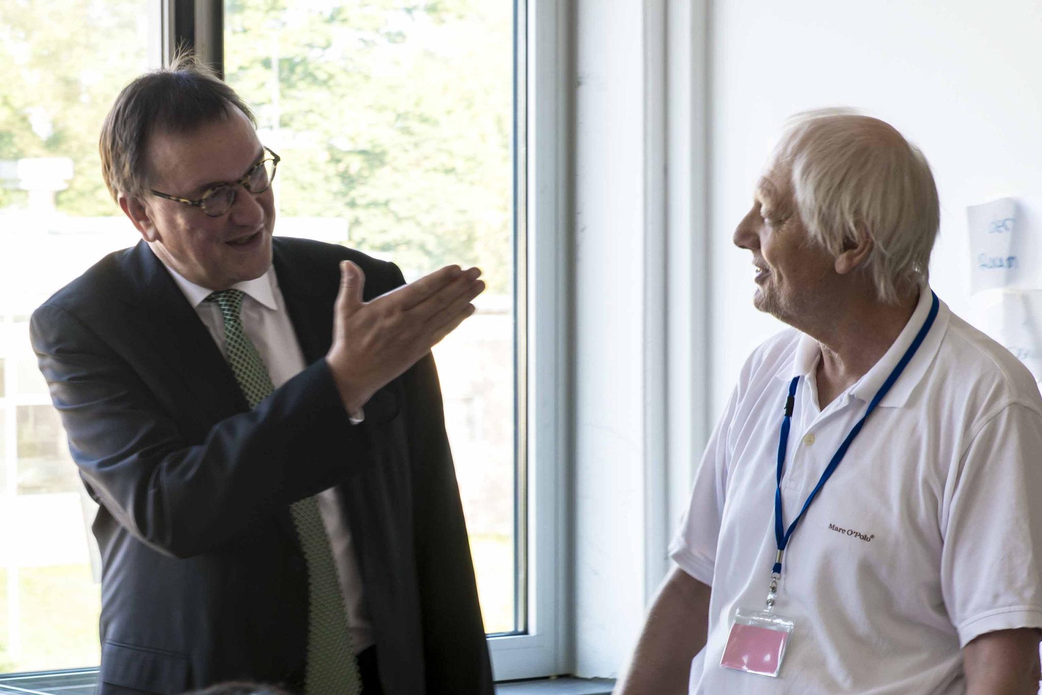 Begegnung mit einem ehrenamtlichen Lehrer für Deutschunterricht
