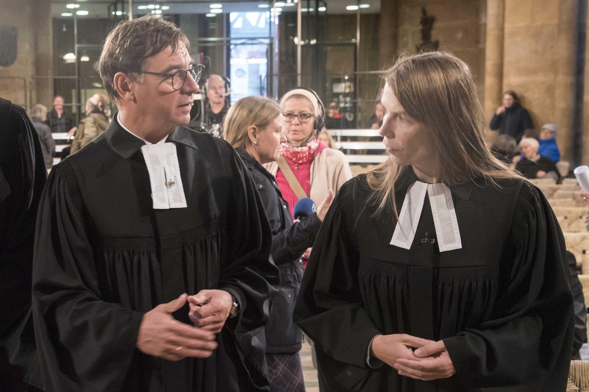 Kirchenpräsident Jung und Pfarrerin Anne-Karena Müller