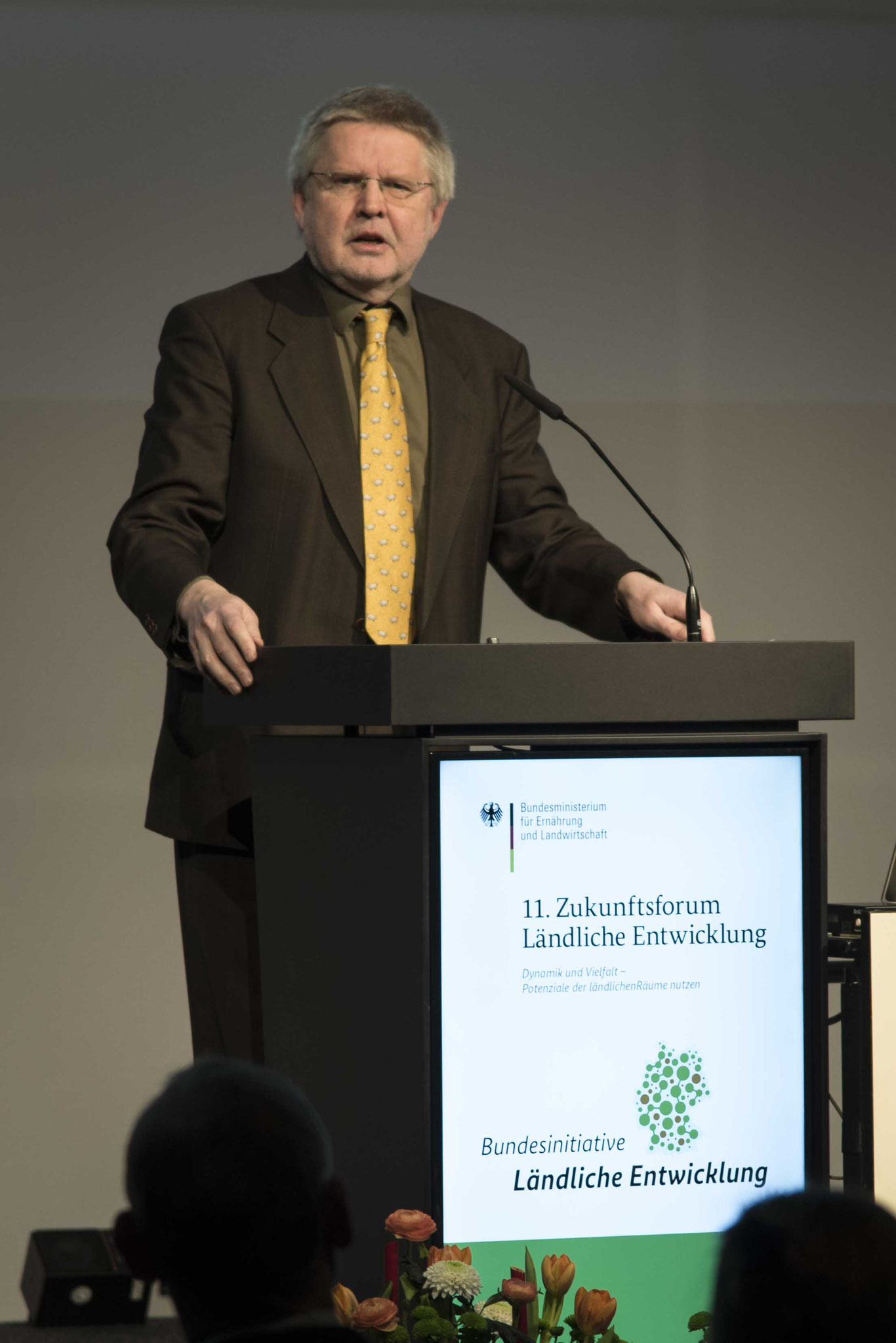 EröffnungsvortragProf. Dr. Hans-Günter Henneke, Geschäftsführendes Präsidialmitglied des Deutschen Landkreistages und Vorsitzender des Sachverständigenrats Ländliche Entwicklung (SRLE)