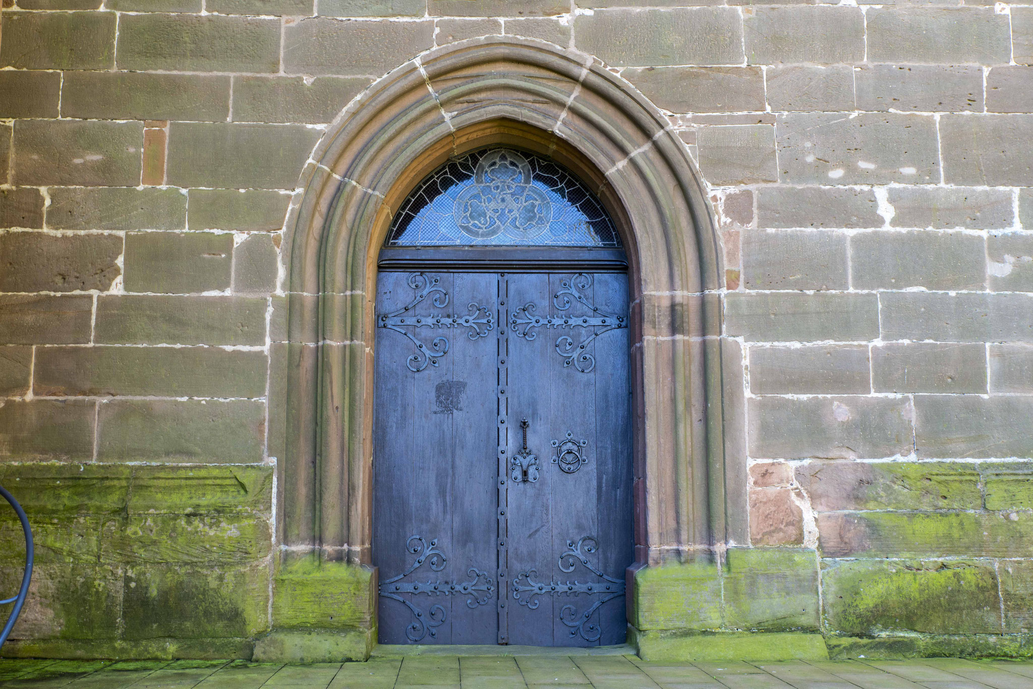 Seitenportal der Stadtkirche